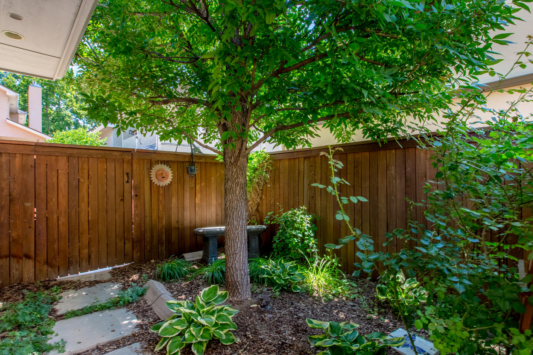 Additional photo for property listing at 520 Madison St 520 Madison Street Denver, Colorado 80206 United States