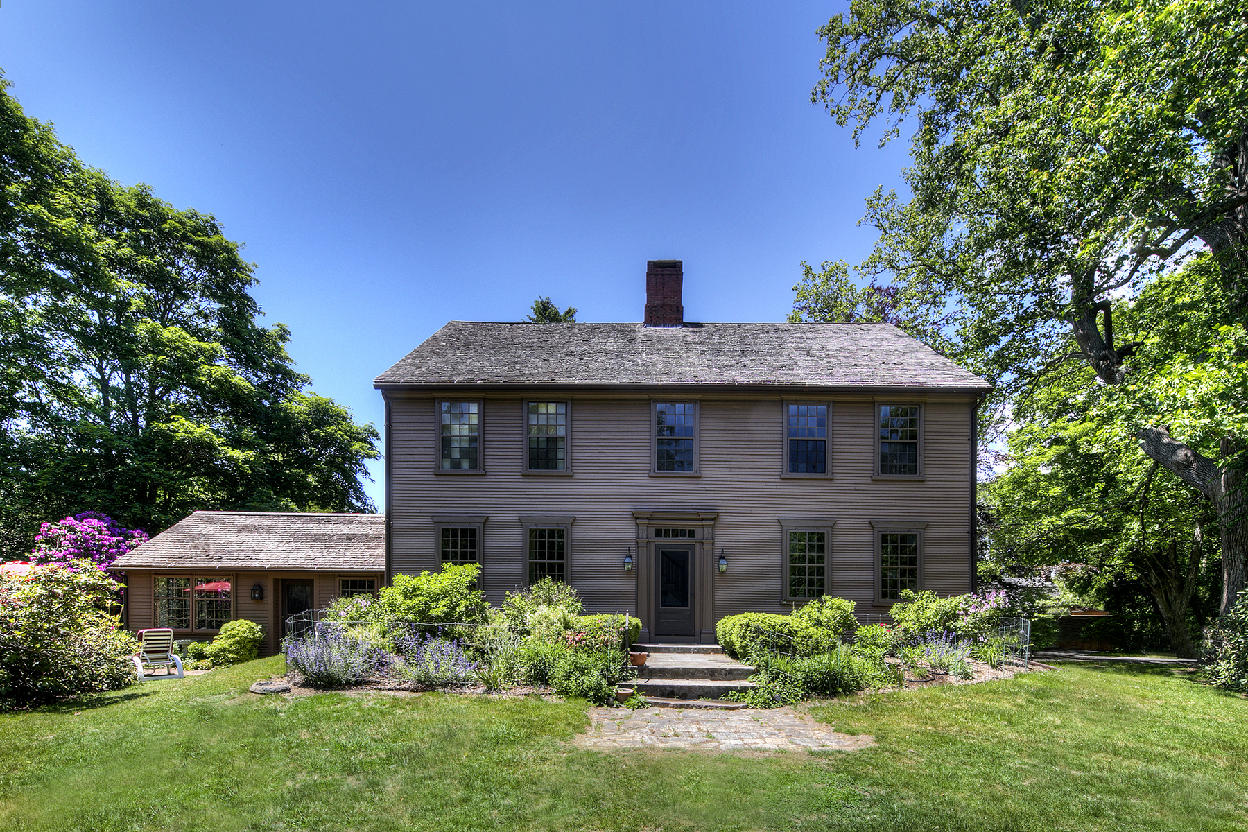 واحد منزل الأسرة للـ Sale في The Potter Homestead 40 Potter Lane South Kingstown, Rhode Island 02881 United States