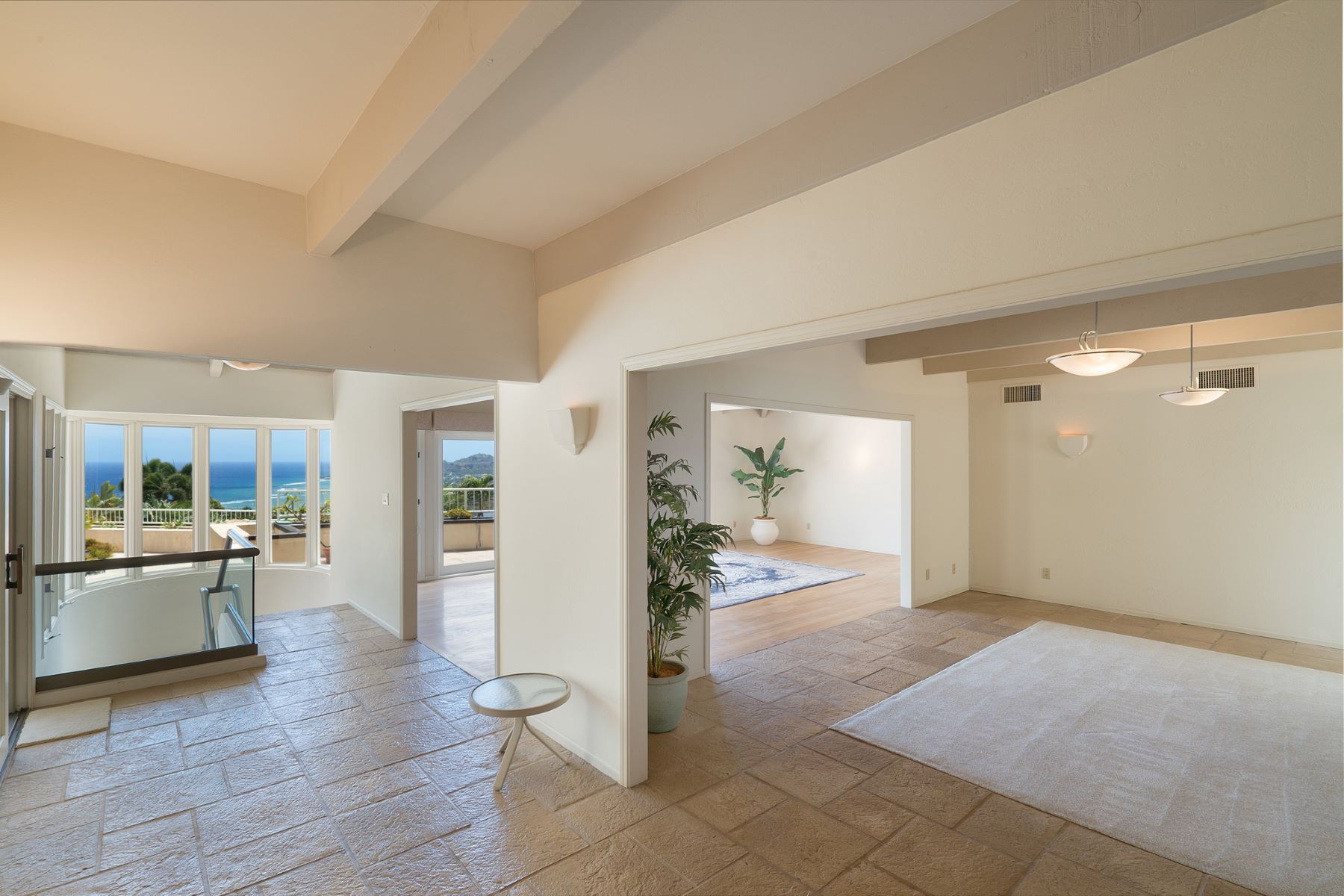 Additional photo for property listing at Unrivaled Panoramic Views 644 Kahiau Loop Honolulu, Hawaii 96821 United States