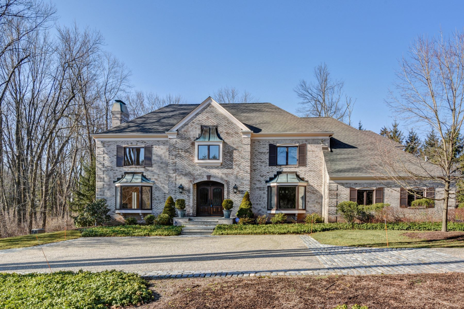 Single Family Homes for Sale at Stately and Tranquil 2 Country Drive Harding Township, New Jersey 07960 United States