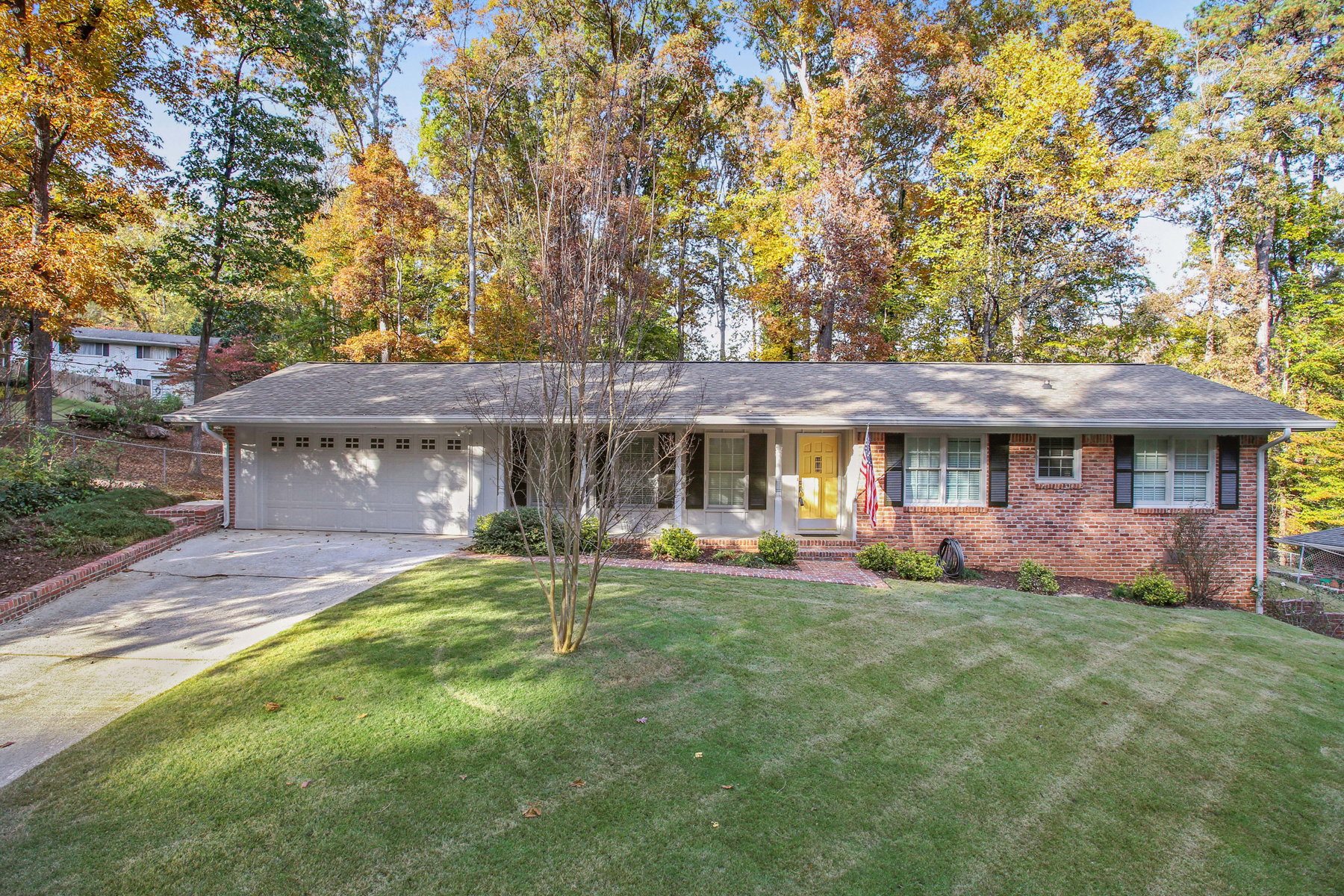 Single Family Home for Sale at One Level Charmer 2264 Winding Way Tucker, Georgia 30084 United States