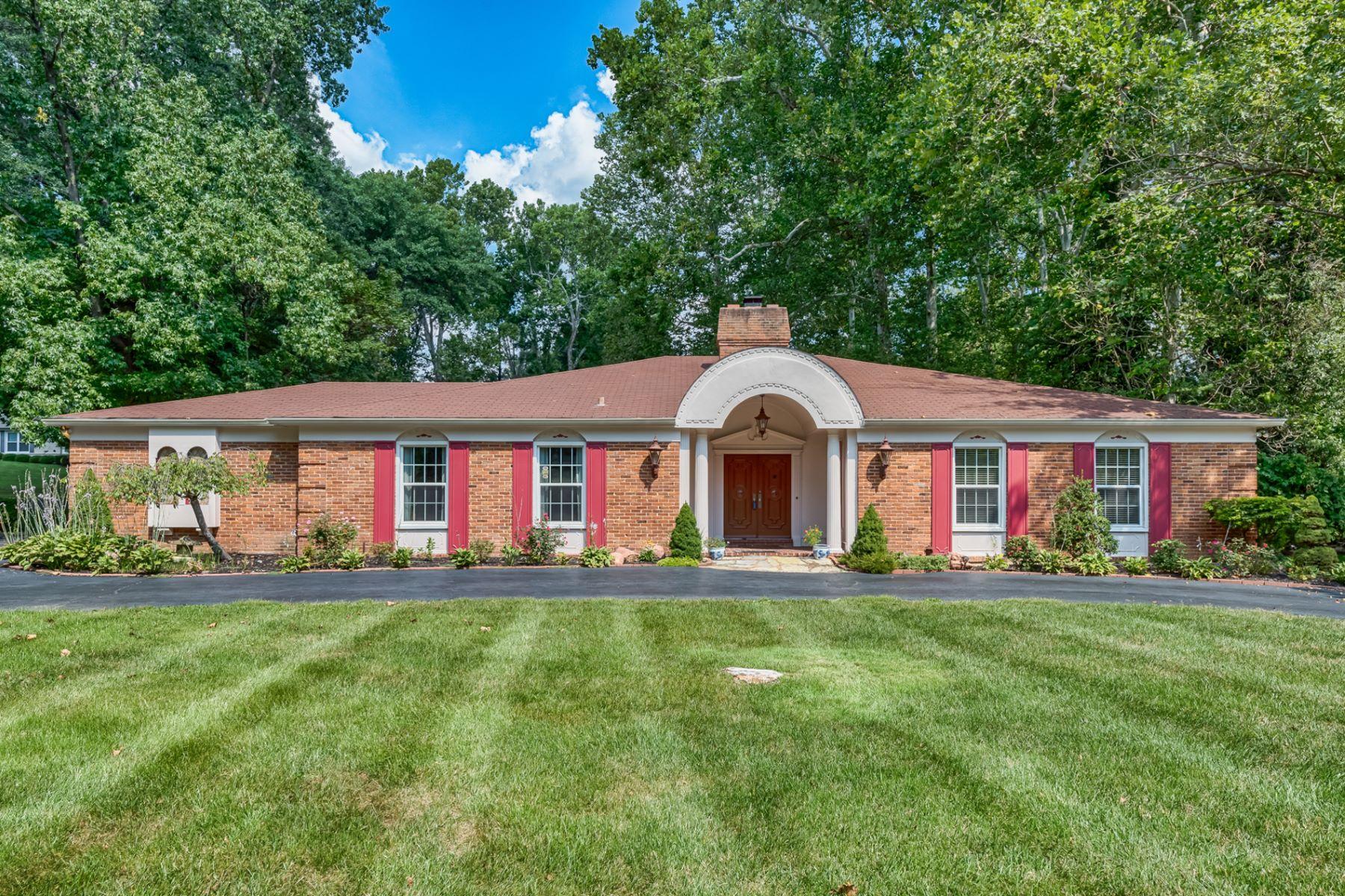 Maison unifamiliale pour l Vente à Dogwood Lane 6 Dogwood Lane Ladue, Missouri, 63124 États-Unis