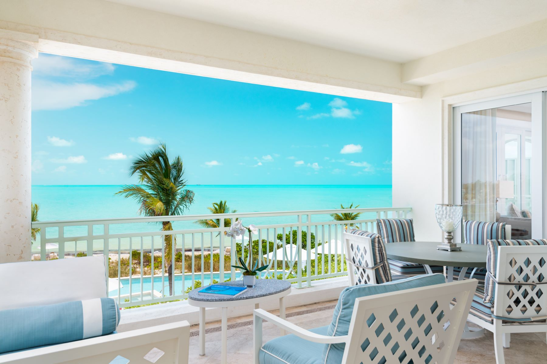 Condominio por un Venta en The Shore Club ~ Suite 1201.02.03 Beachfront Long Bay, Providenciales TCI Islas Turcas Y Caicos