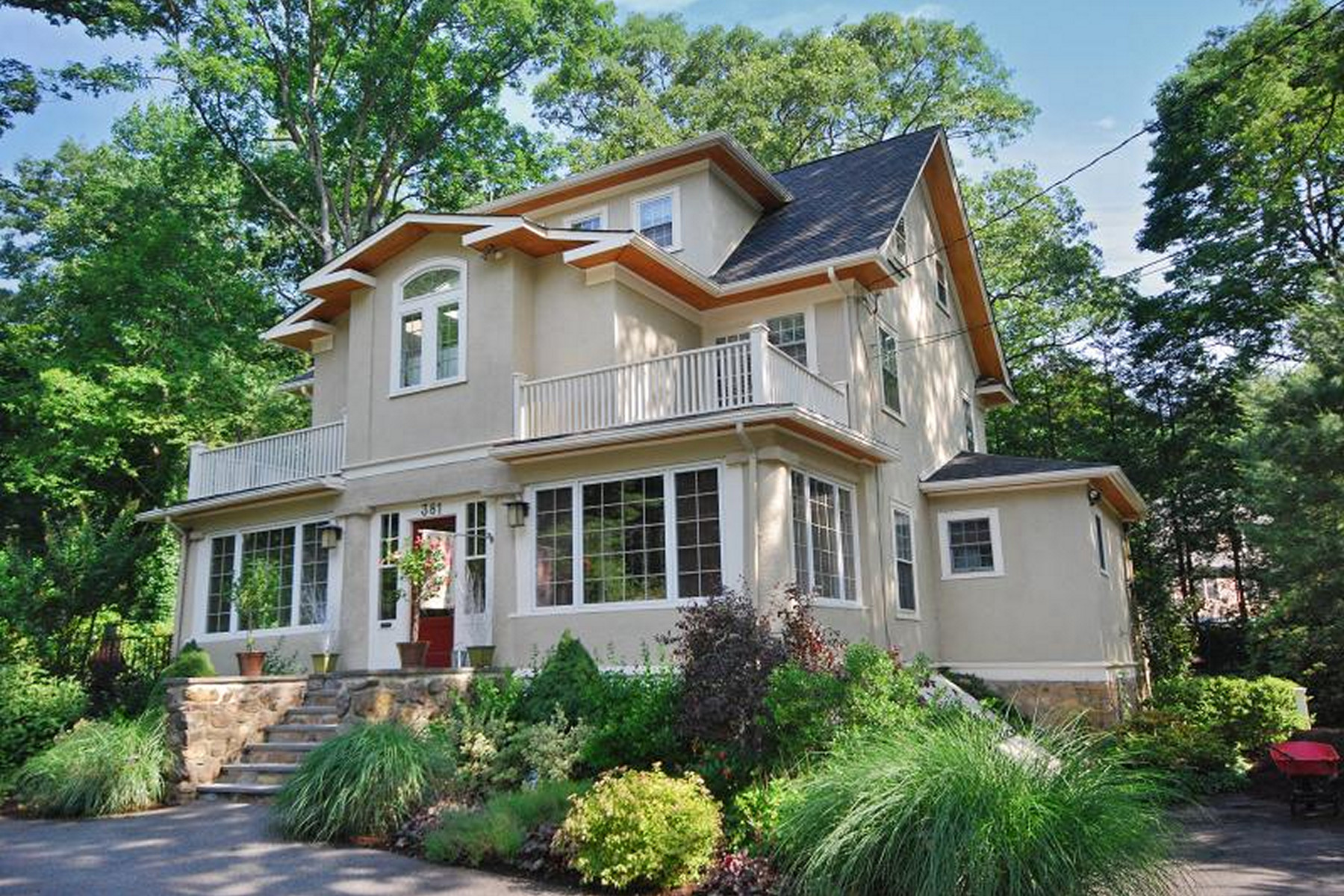 Single Family Homes for Sale at Fabulous Colonial 381 Morris Avenue Mountain Lakes, New Jersey 07046 United States