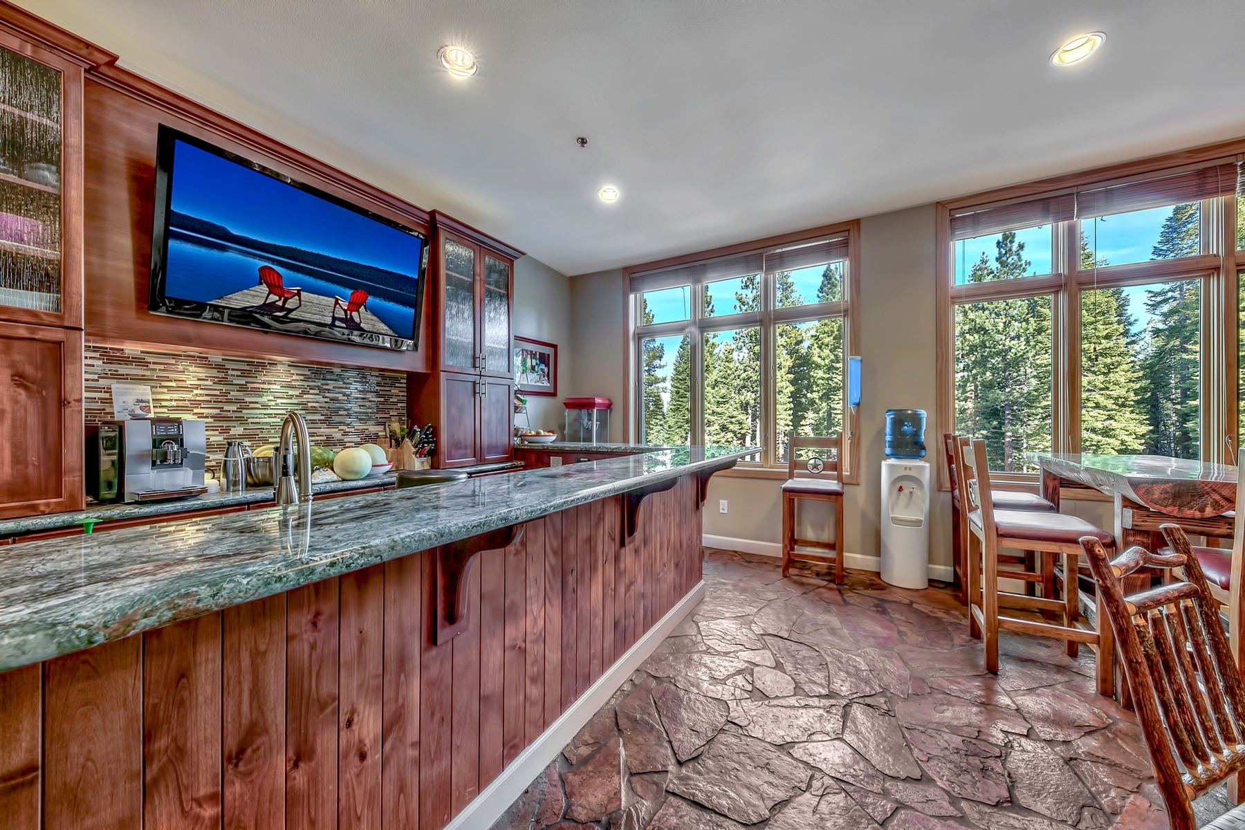 Additional photo for property listing at 2100 W North Village Drive #303/#7, Truckee CA 96161 2100 W North Village Drive #303/#7 特拉基, 加利福尼亚州 96161 美国