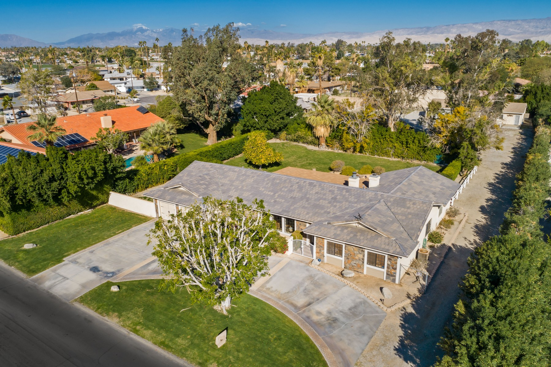 Single Family Homes for Sale at 77550 Mountain View Palm Desert, California 92211 United States
