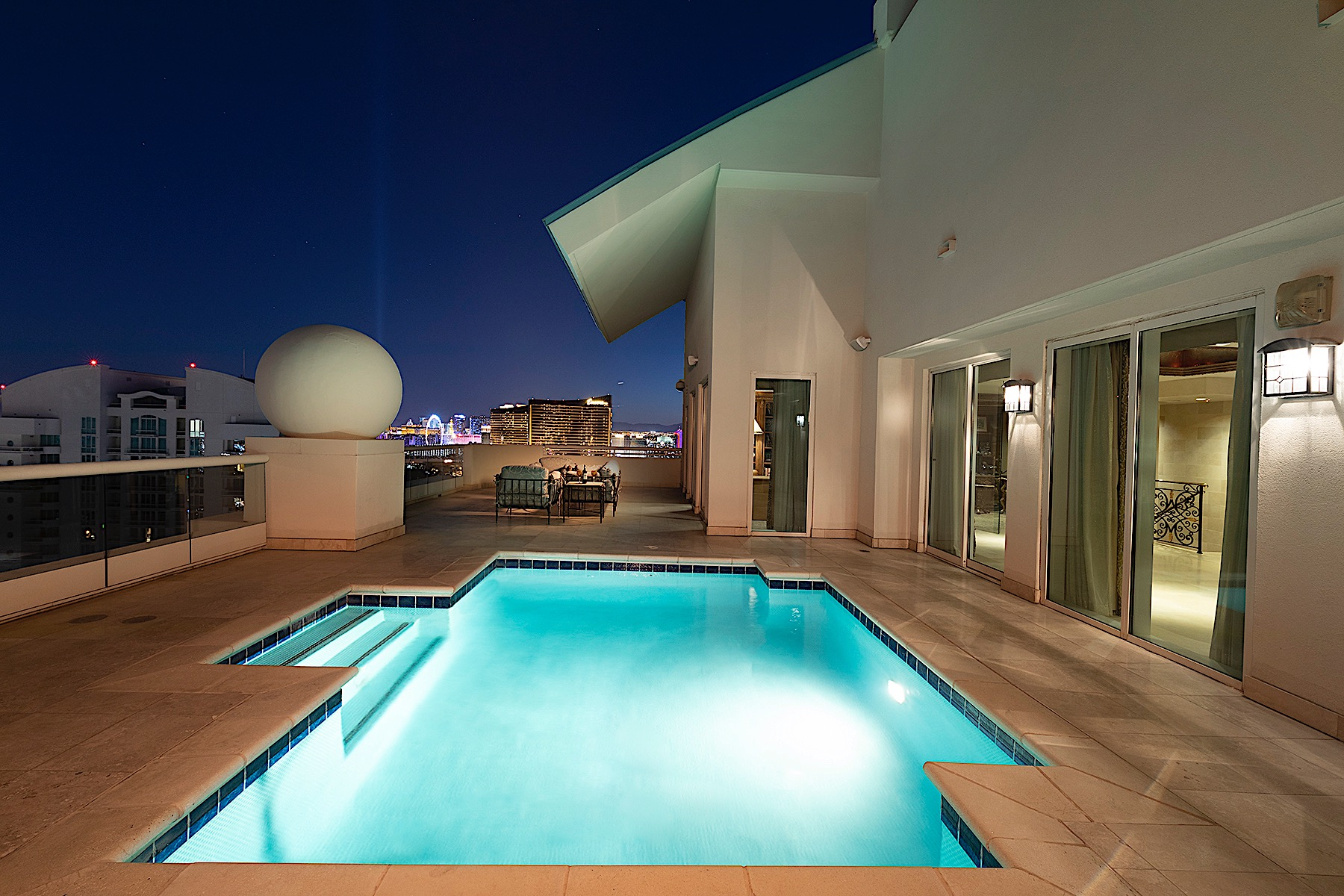 Condominiums for Active at High Roller Penthouse 2747 Paradise Road #3703 Las Vegas, Nevada 89109 United States