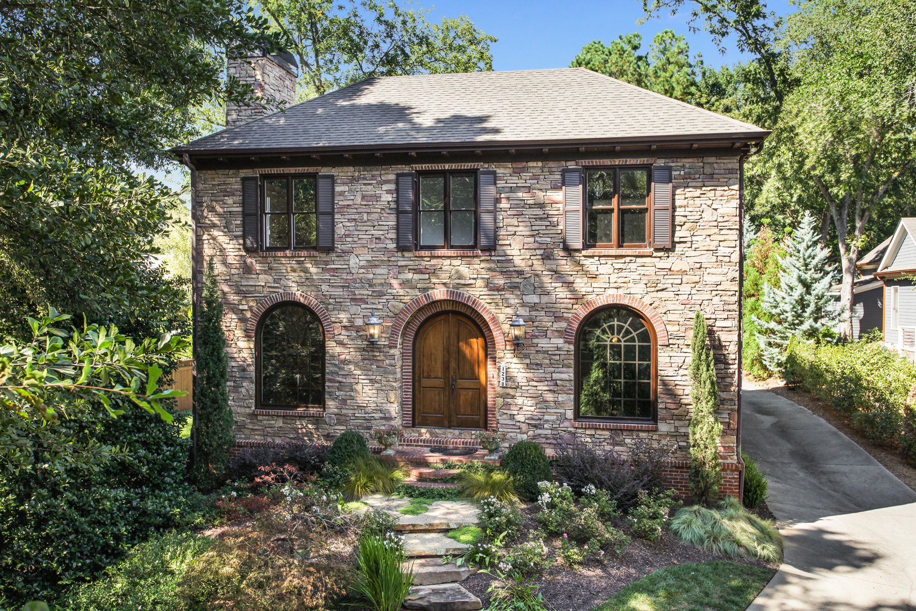 Single Family Home for Sale at A Majestic Historic Roswell 1238 Minhinette Dr Roswell, Georgia, 30075 United States