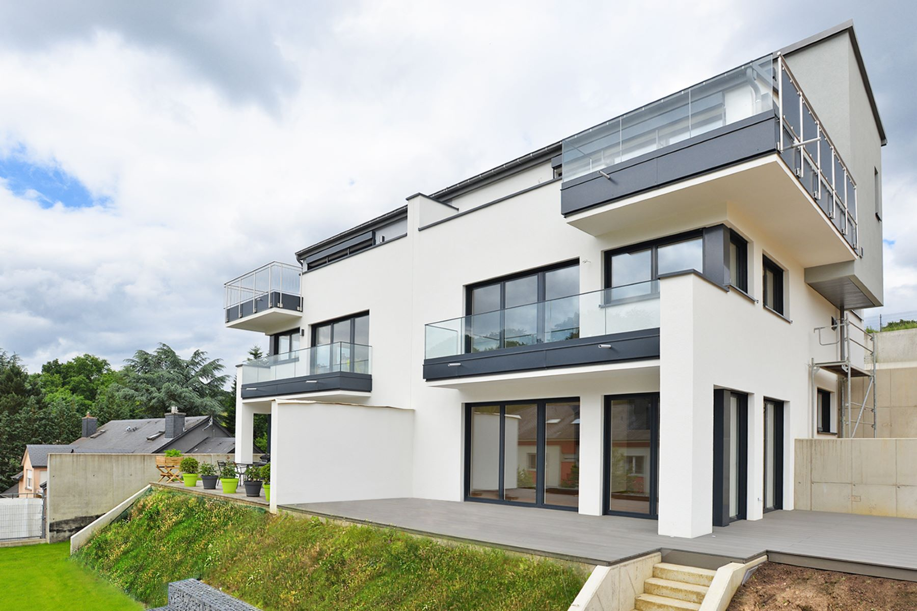 Single Family Home for Sale at Belle maison à Strassen Strassen, 2410 Luxembourg