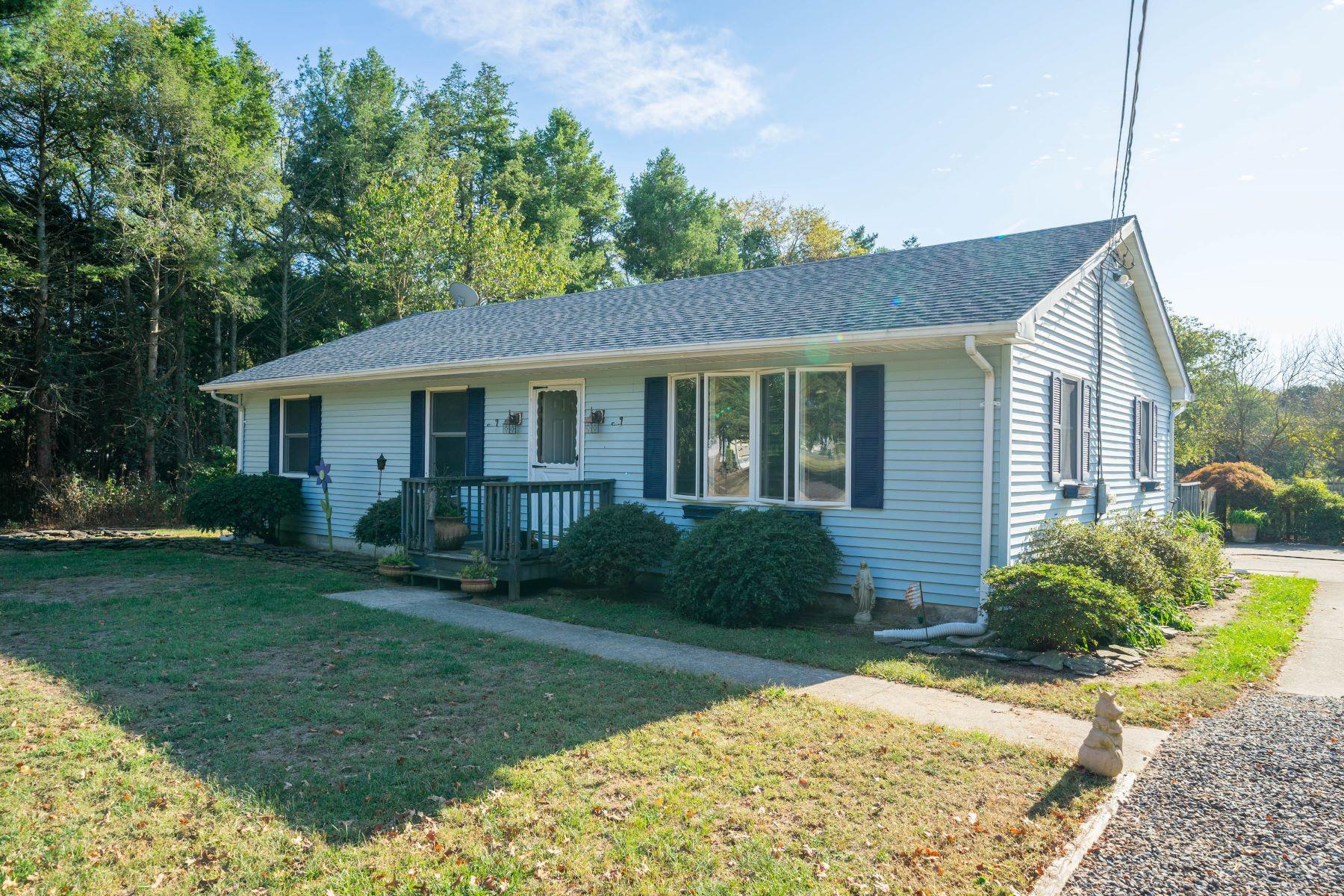 Single Family Homes por un Venta en Serene Rancher 201 Landing Road Clermont, Nueva Jersey 08210 Estados Unidos