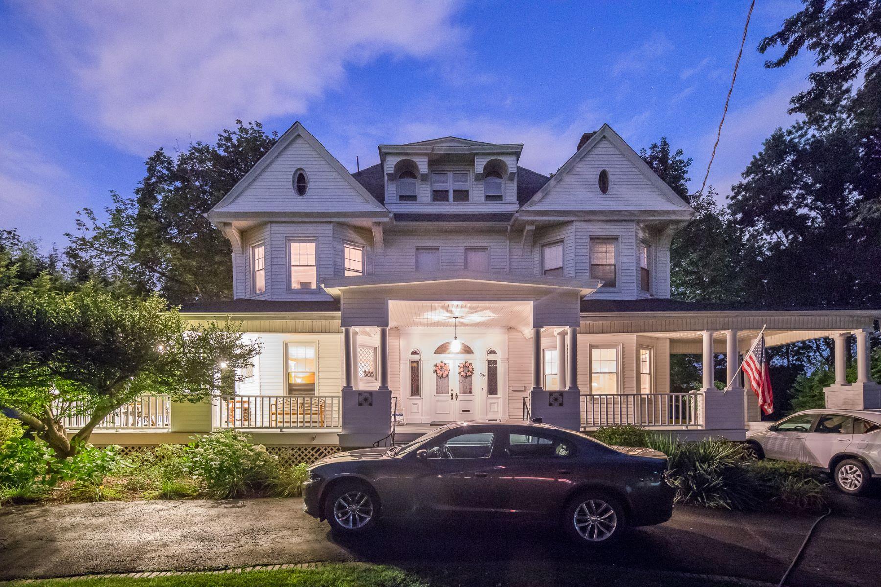 独户住宅 为 销售 在 330 Summit Avenue 303 Summit Ave, 哈克萨克市, 新泽西州 07601 美国