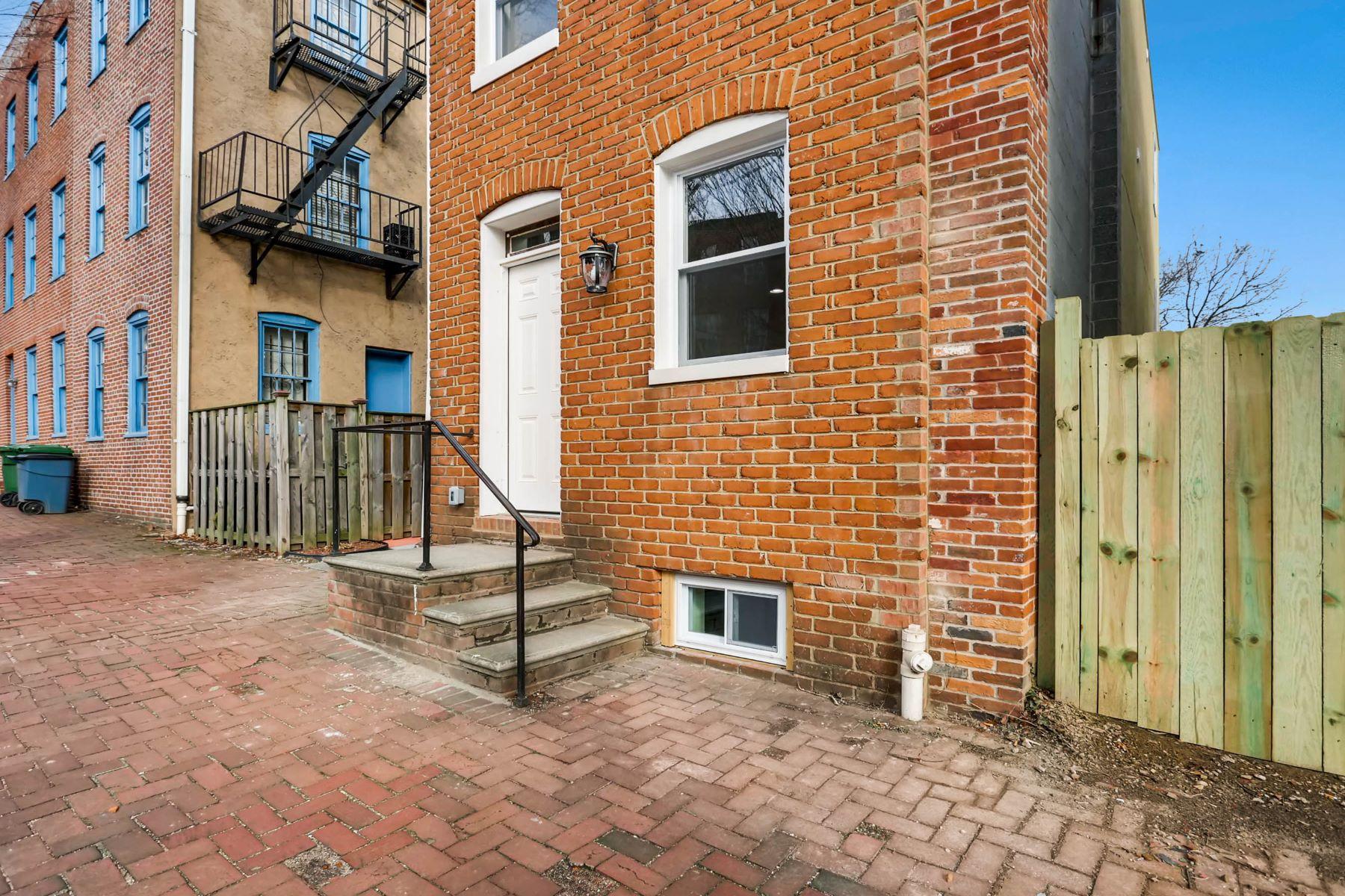独户住宅 为 销售 在 Hollin's Park 103 Scott Street, 巴尔的摩, 马里兰州, 21201 美国