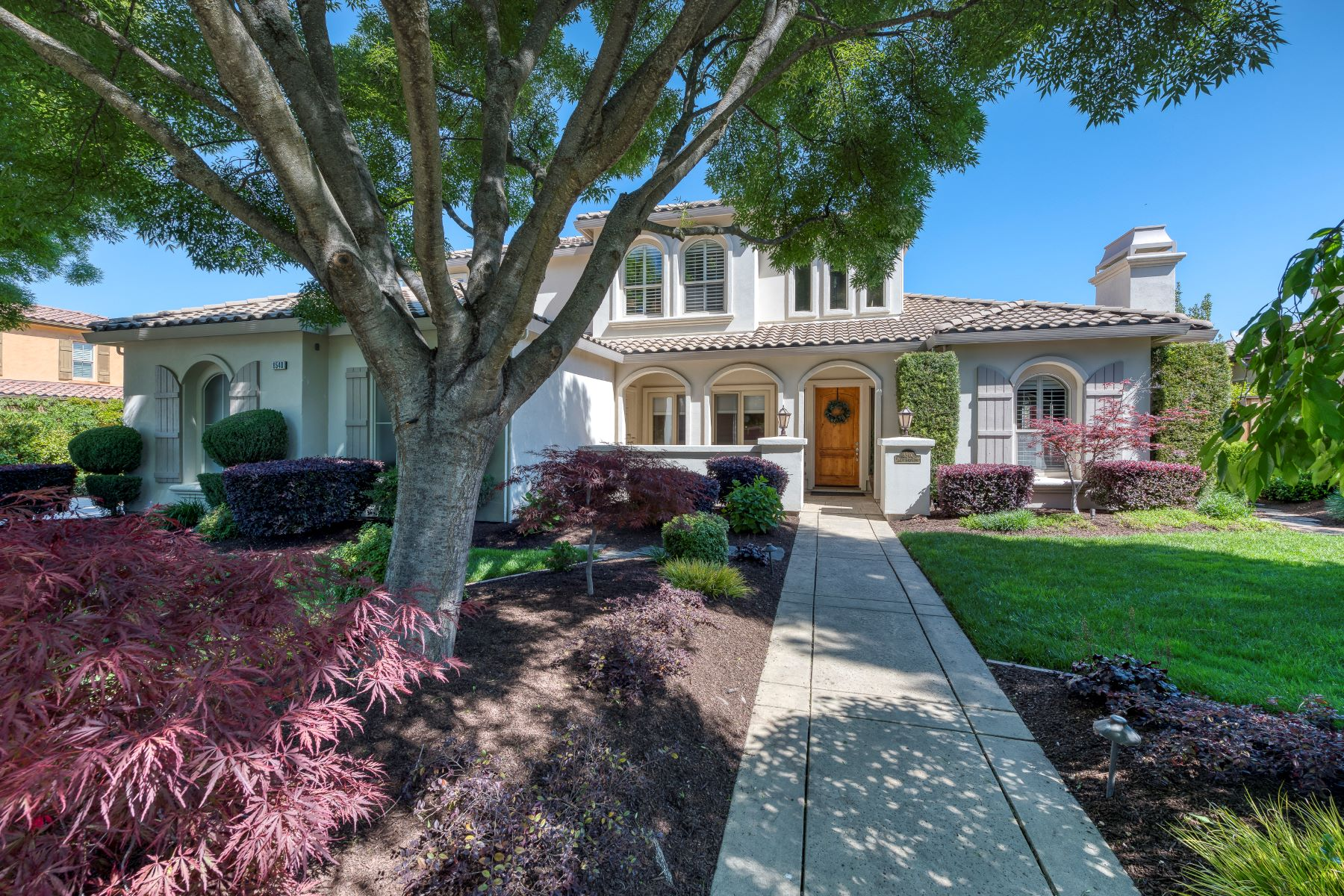 Single Family Home for Active at 8540 Willow Gate Court, Granite Bay, 95746 8540 Willow Gate Court Granite Bay, California 95746 United States