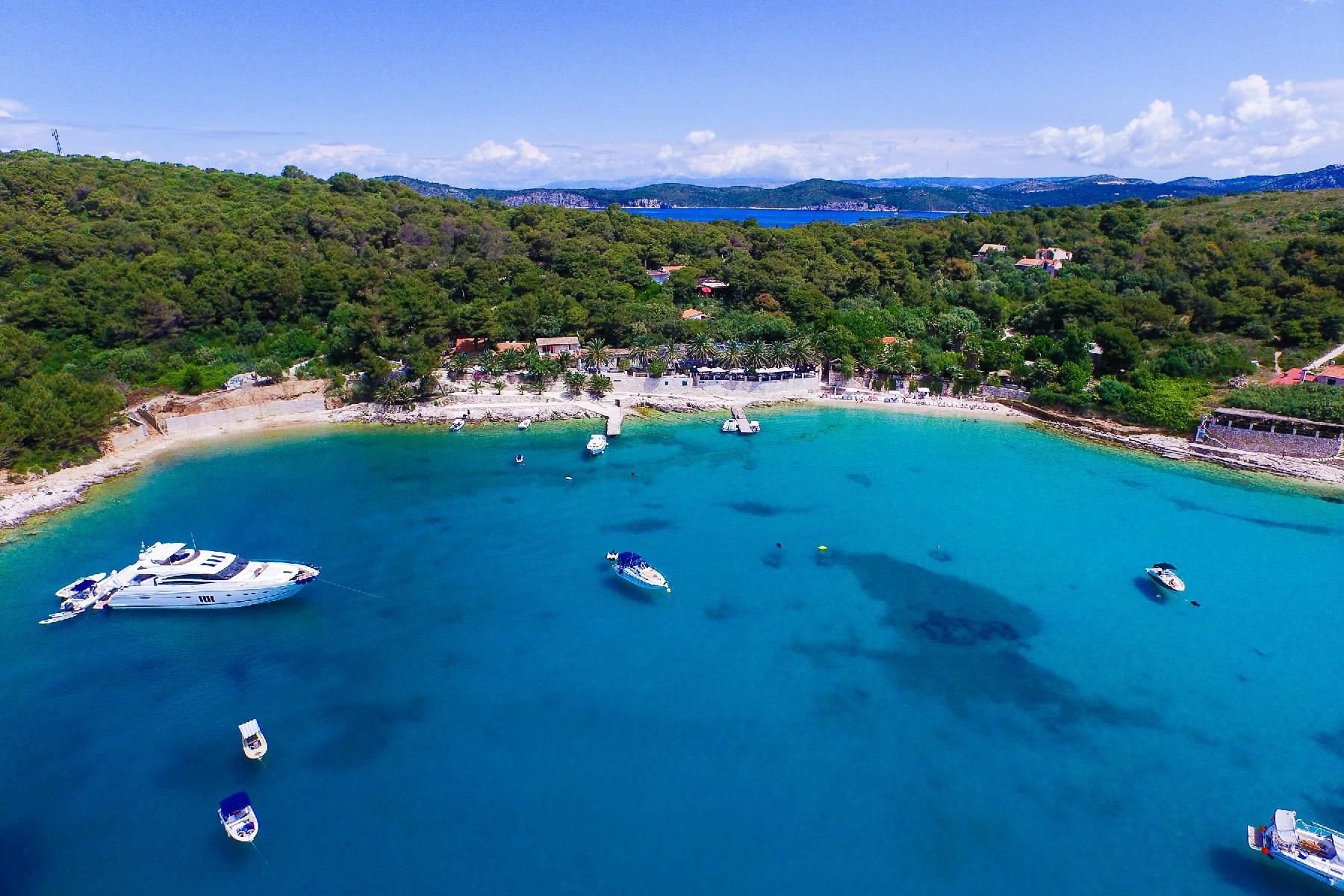 Многосемейный дом для того Продажа на Lagoon complex Palmižana Other Split Dalmatia, Split Dalmatia 21450 Croatia