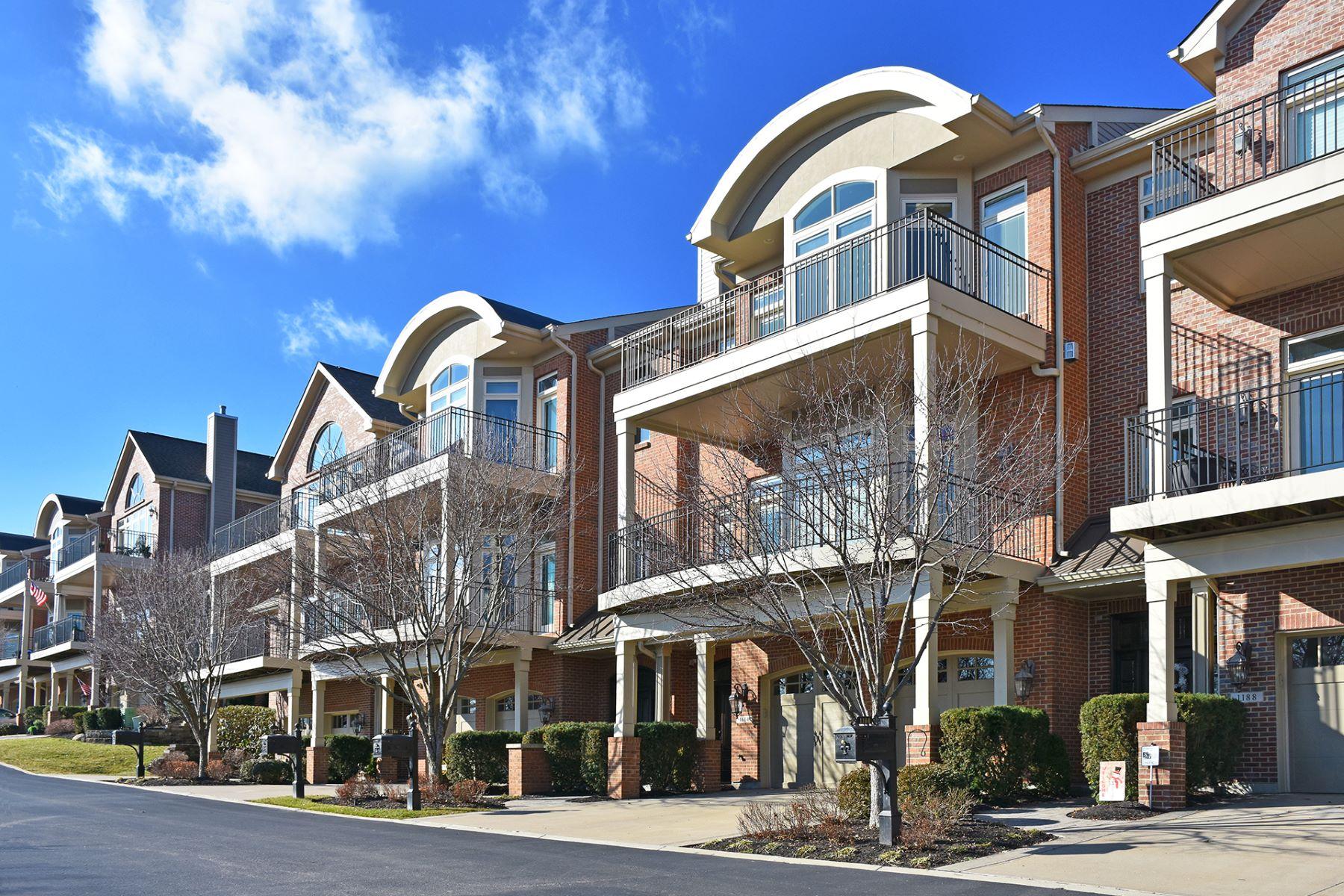 Single Family Homes por un Venta en Fantastic Foster's Point 1184 Riverside Drive Cincinnati, Ohio 45202 Estados Unidos