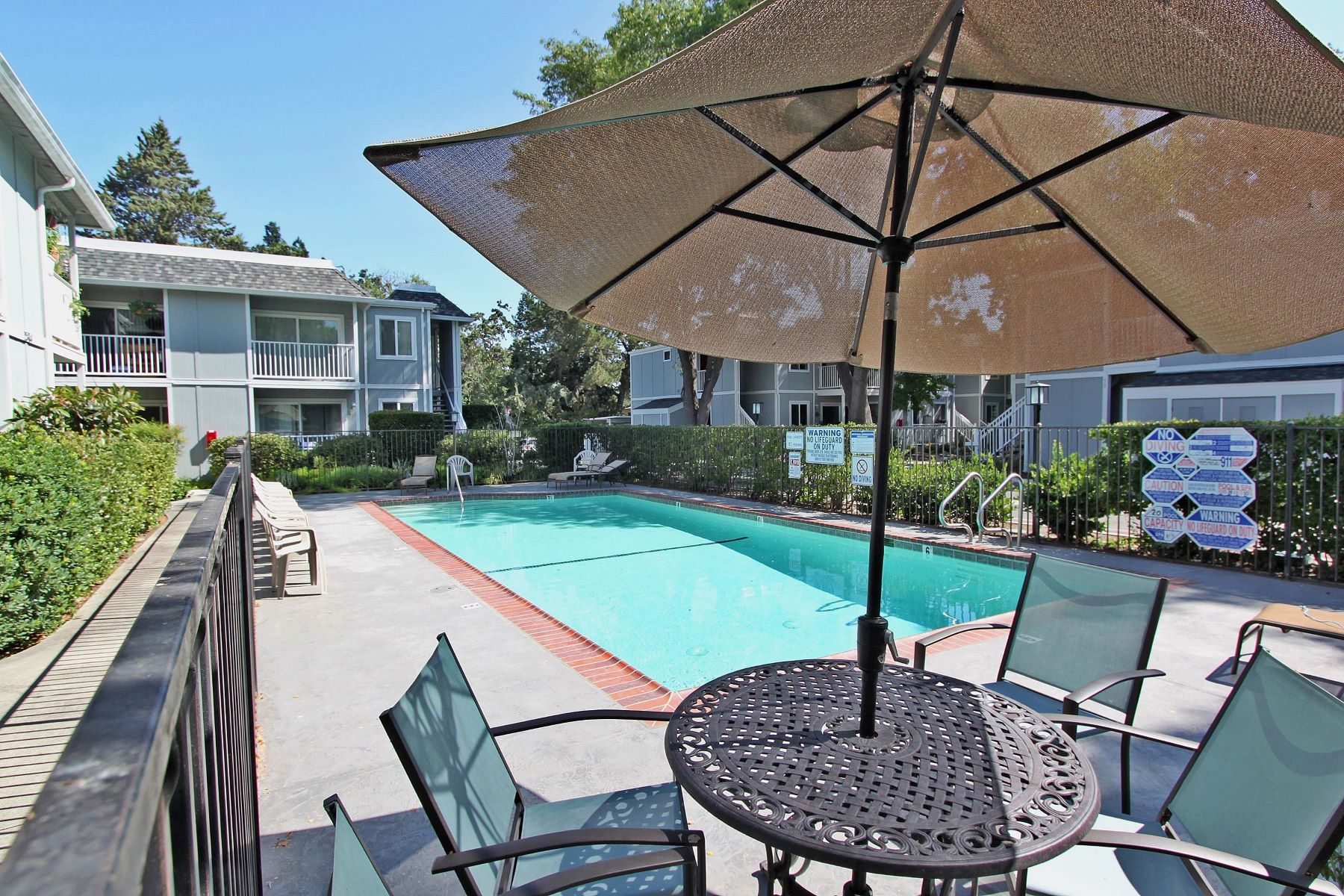 Additional photo for property listing at Private Ground Floor Location 1564 Sunnyvale Avenue #5 Walnut Creek, California 94597 Estados Unidos