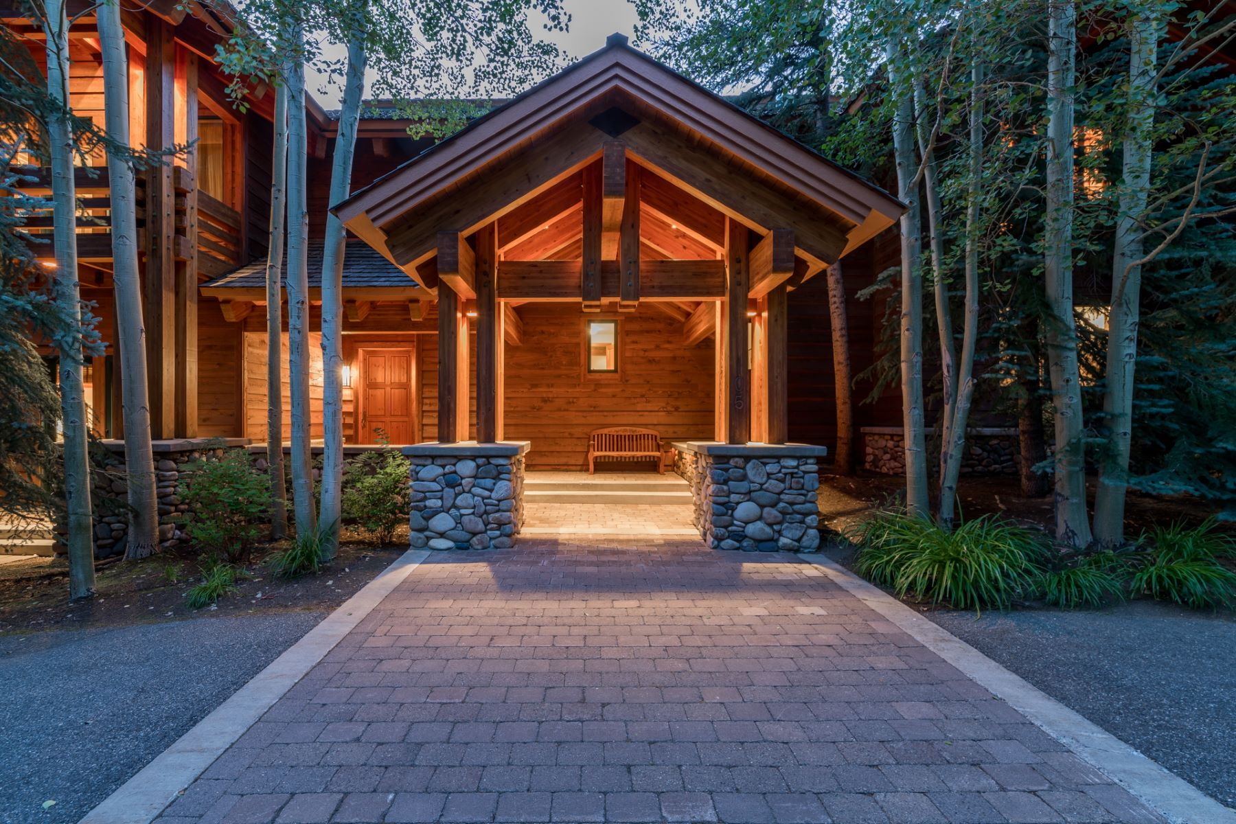 Single Family Homes للـ Sale في Bigwood's Hidden Gem 105 Telemark Road, Ketchum, Idaho 83340 United States