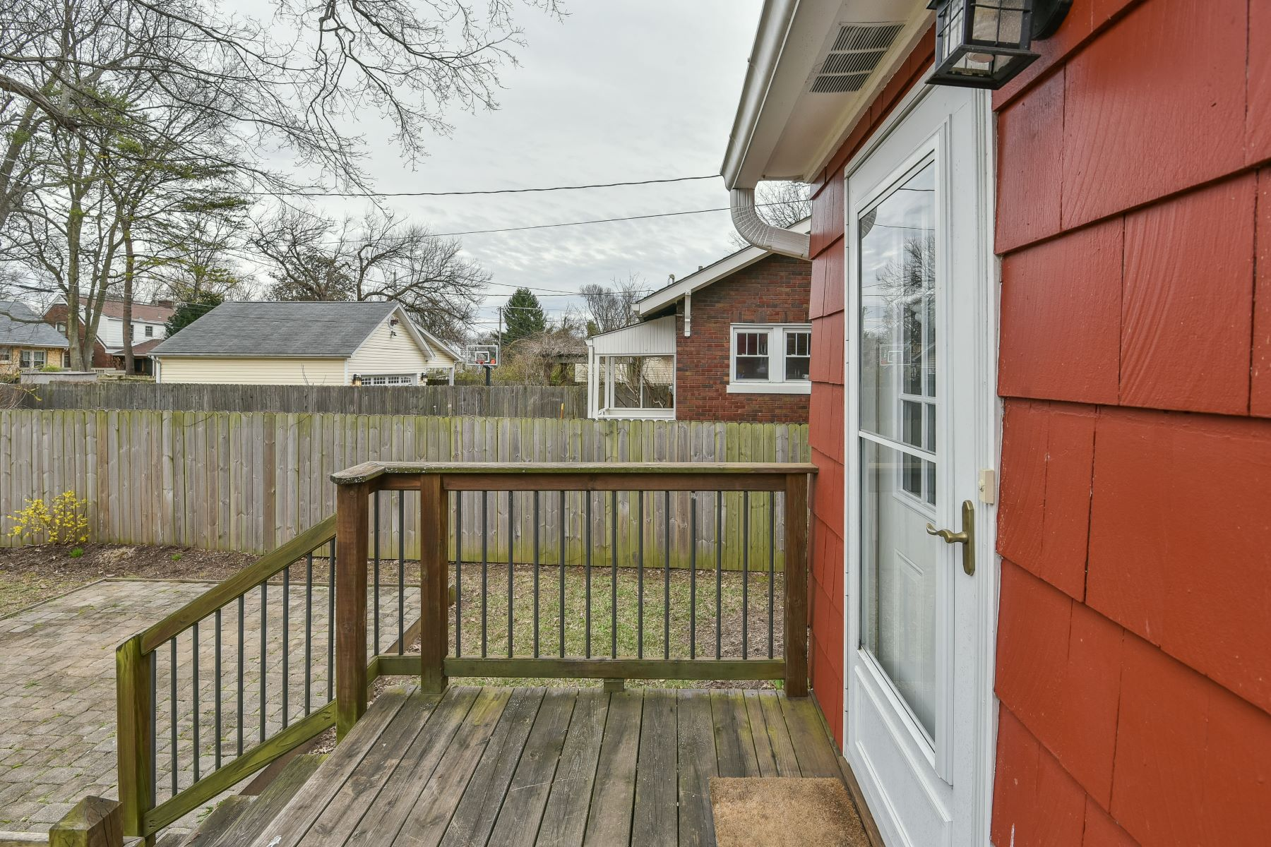 Additional photo for property listing at 417 Iola Road 417 Iola Road Louisville, Kentucky 40207 United States
