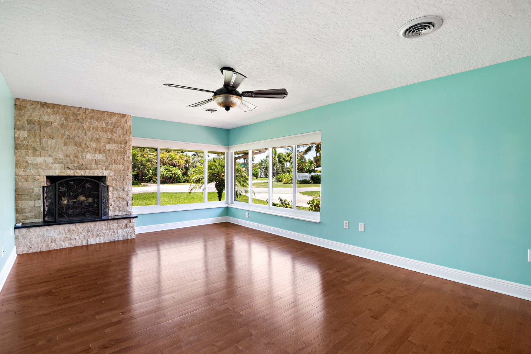 Additional photo for property listing at Indialantic By The Sea 1301 W. Riverside Drive Indialantic, Florida 32903 United States