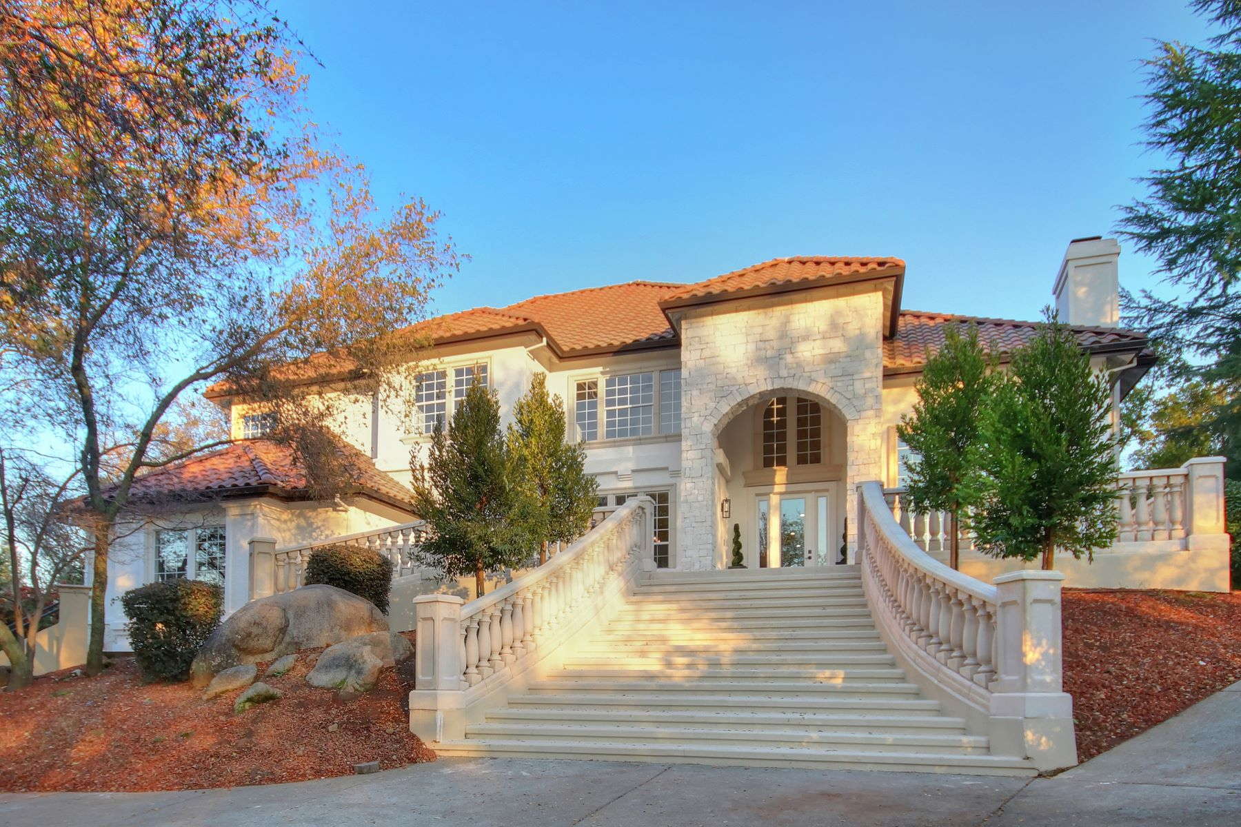 Single Family Home for Active at 9040 Los Lagos Circle, Granite Bay, CA 95746 9040 Los Lagos Circle Granite Bay, California 95746 United States