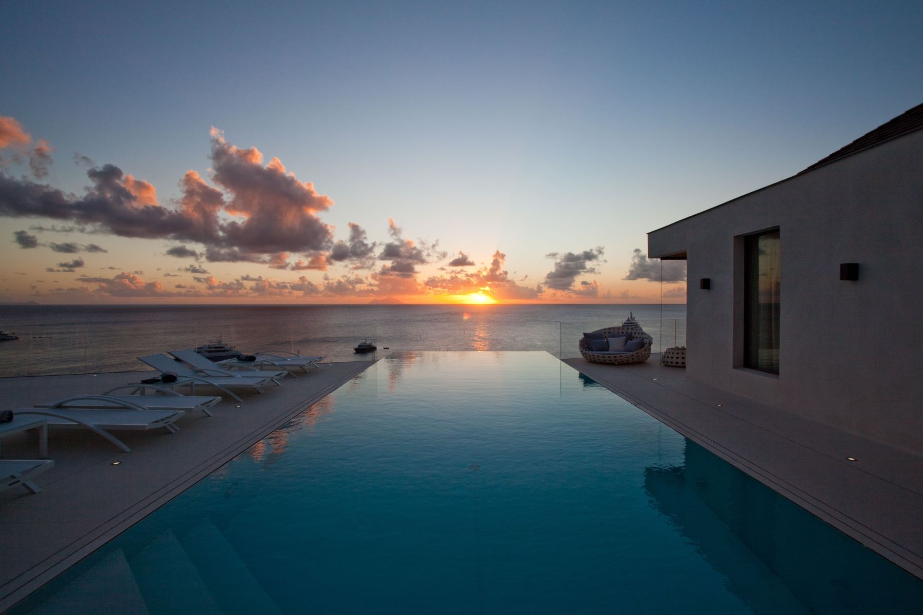 Additional photo for property listing at Villa Vitti Lurin Lurin, Villes De St. Barthélemy 97133 St. Barthelemy