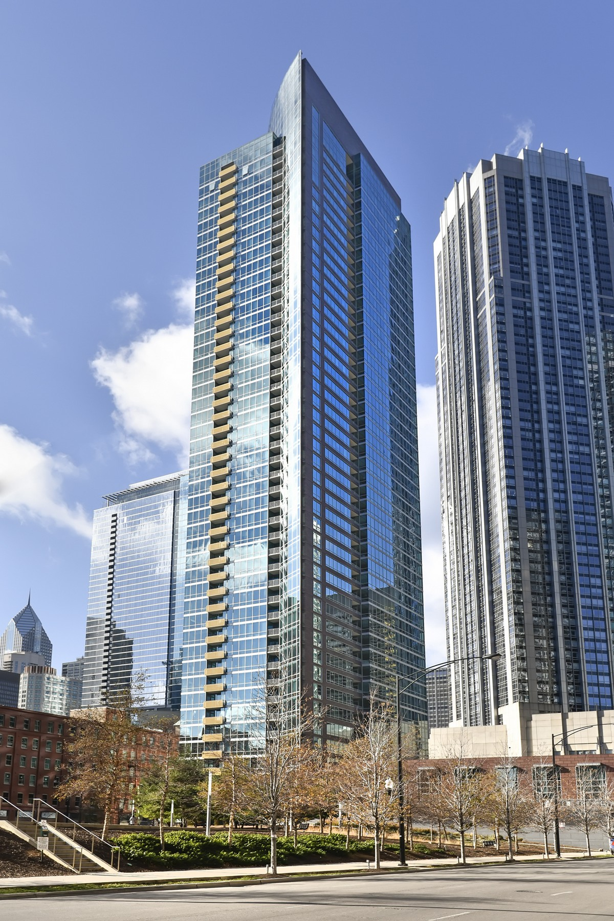 Single Family Home for Sale at Fabulous Unit With Great Views 505 N Mcclurg Court Unit 1204 Chicago, Illinois, 60611 United States