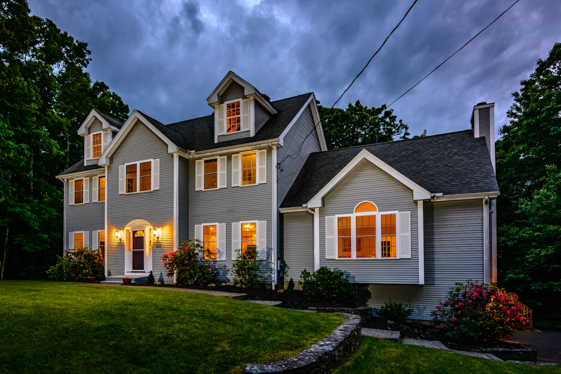 Single Family Homes for Sale at Lovely Open Concept Colonial 268 North Street Upton, Massachusetts 01568 United States