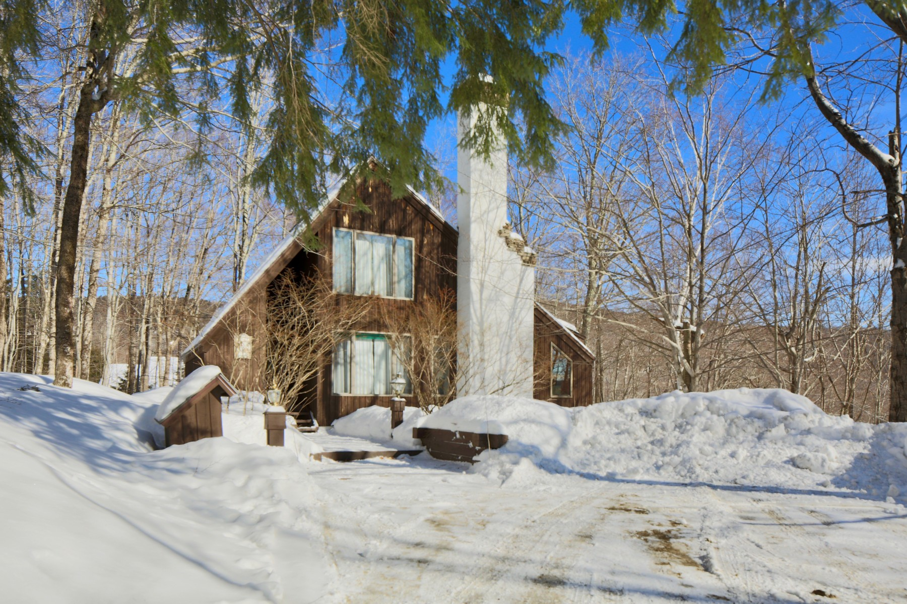 Single Family Home for Sale at Turn-Key - Privately Sited within Hawk Resort 84 Merlin Way Plymouth, Vermont 05056 United States