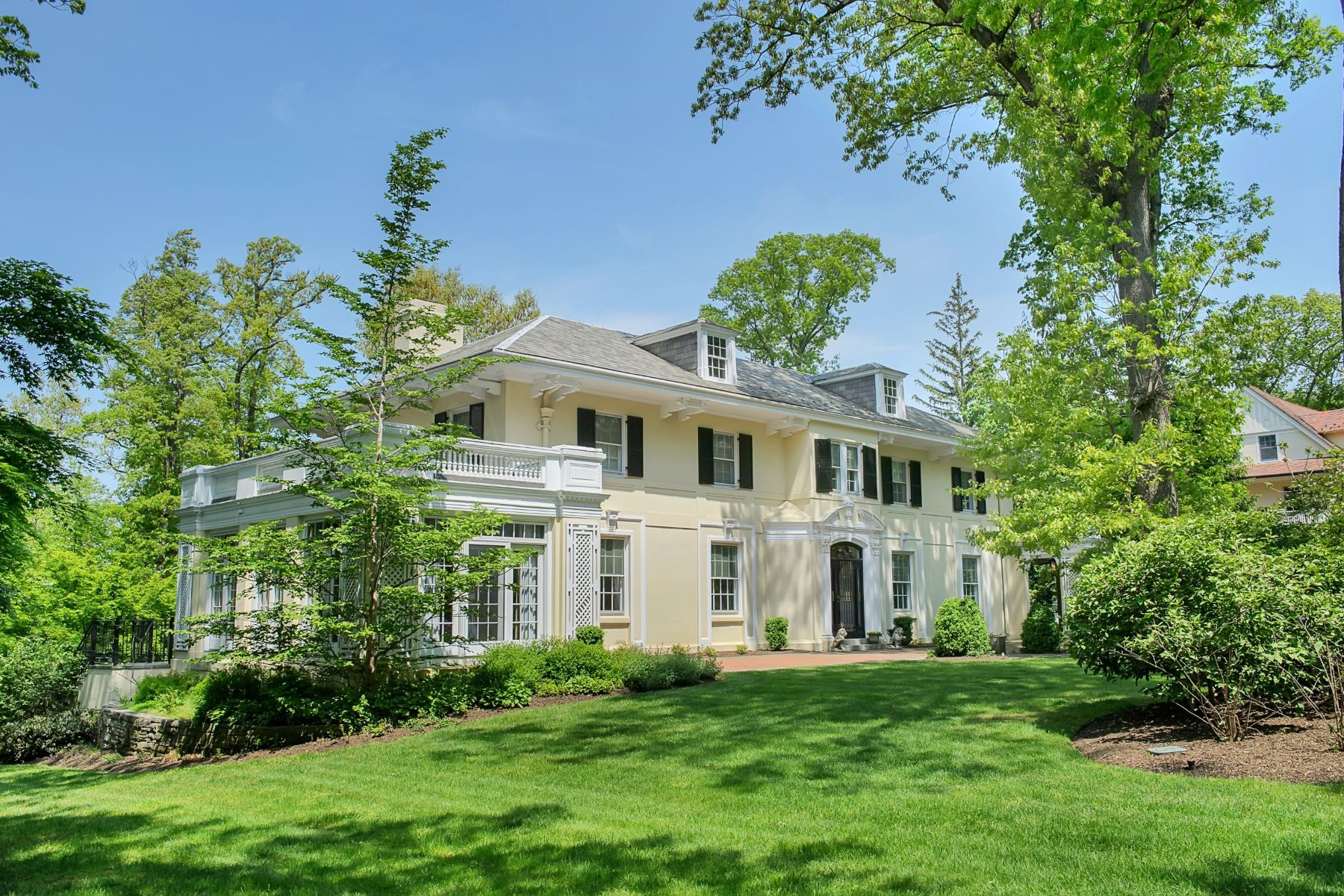 Single Family Home for Sale at Stylish Manor House 81 Oak Ridge Avenue, Summit, New Jersey 07901 United States