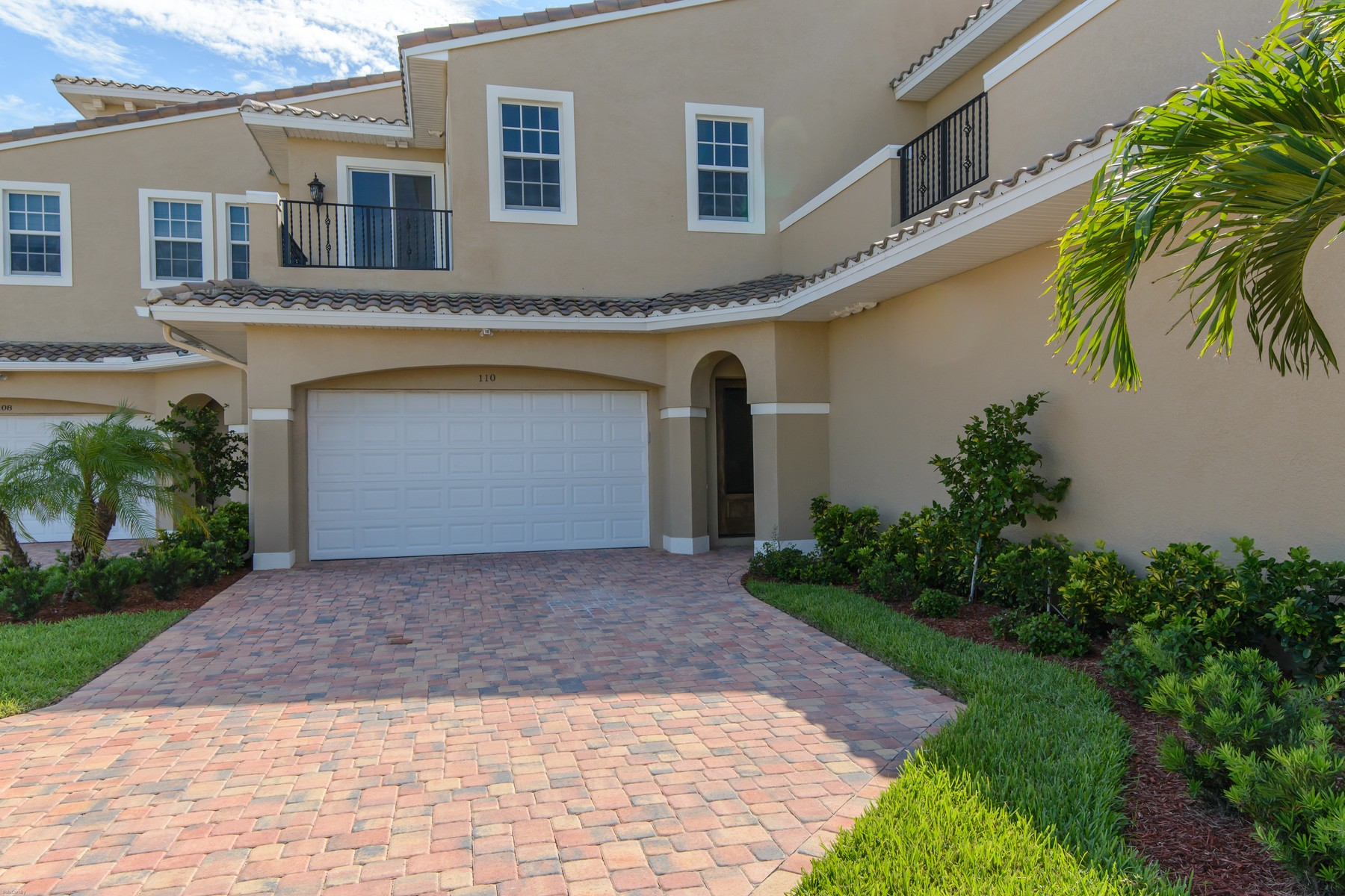 townhouses for Sale at Beautiful Town-home with Soaring Ceilings Overlooking Pond & Fountain 110 Mediterranean Way Indian Harbour Beach, Florida 32937 United States