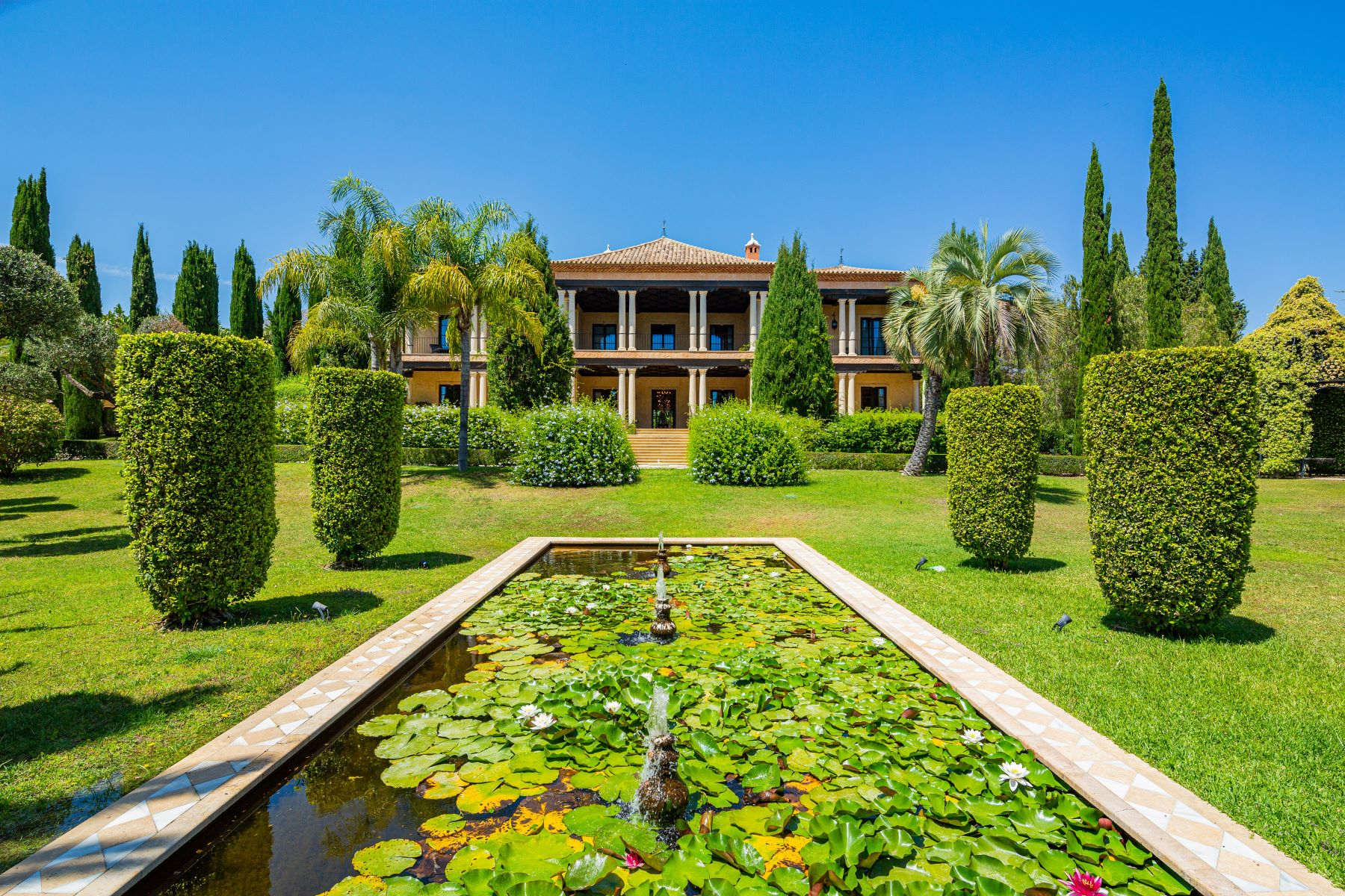 Single Family Homes for Sale at Dream Classic Mansion On Marbella Golden Mile Marbella, Andalucia 29602 Spain
