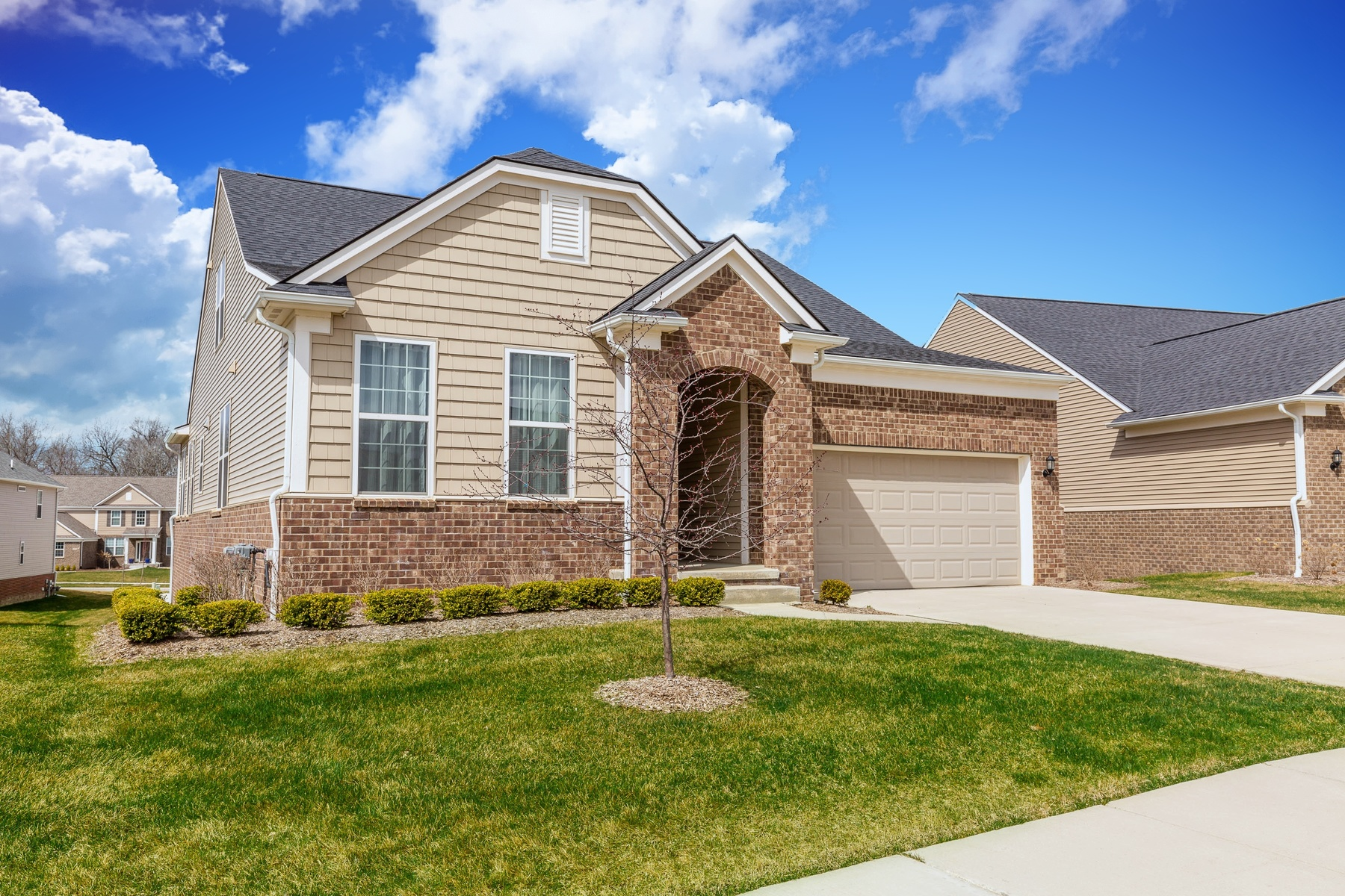 Single Family Homes pour l Vente à Lake Orion 1250 Lark Street, Lake Orion, Michigan 48360 États-Unis