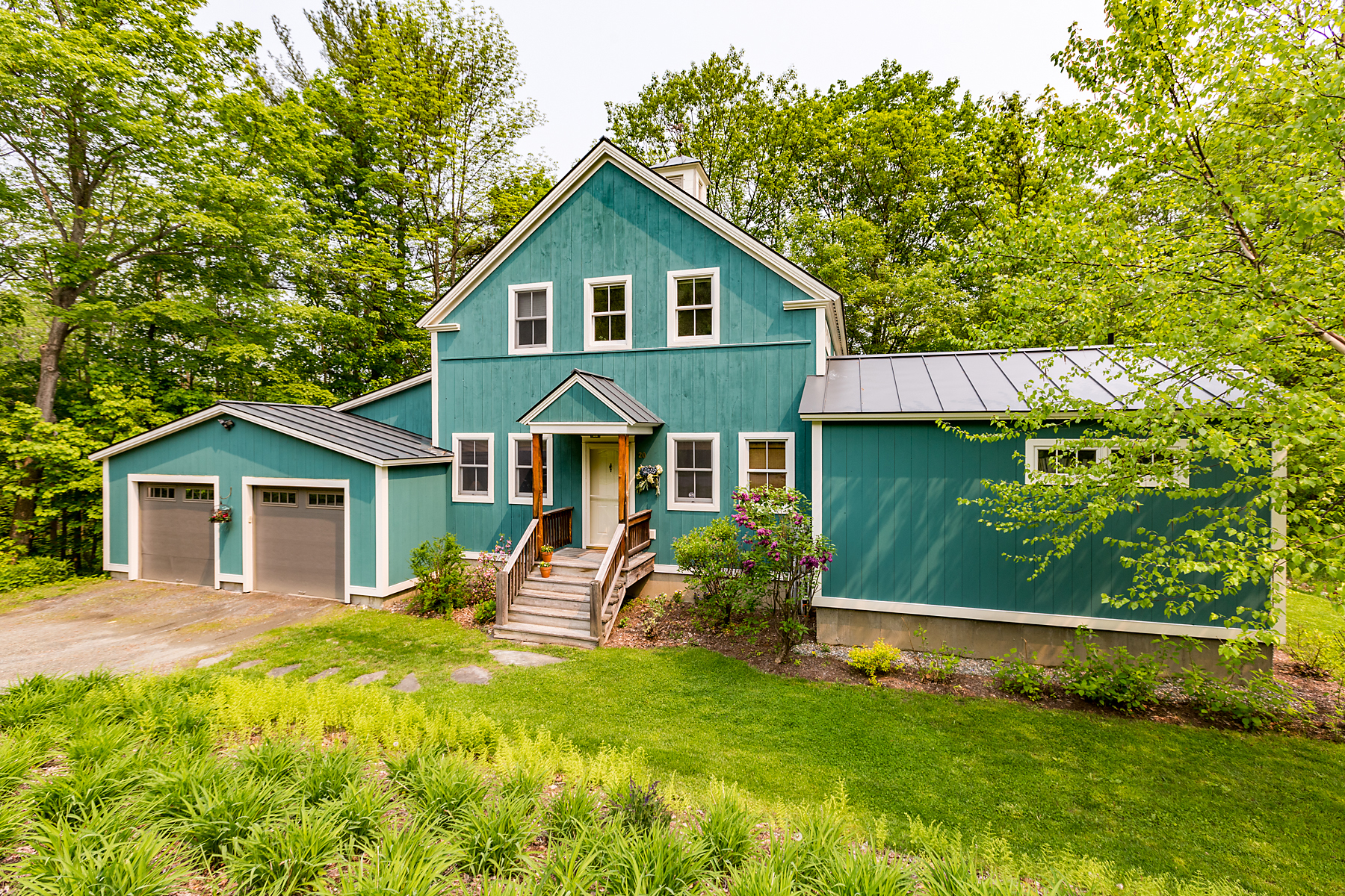 Single Family Homes for Sale at Walking Distance to Amenities 20 Lincoln Street Woodstock, Vermont 05091 United States