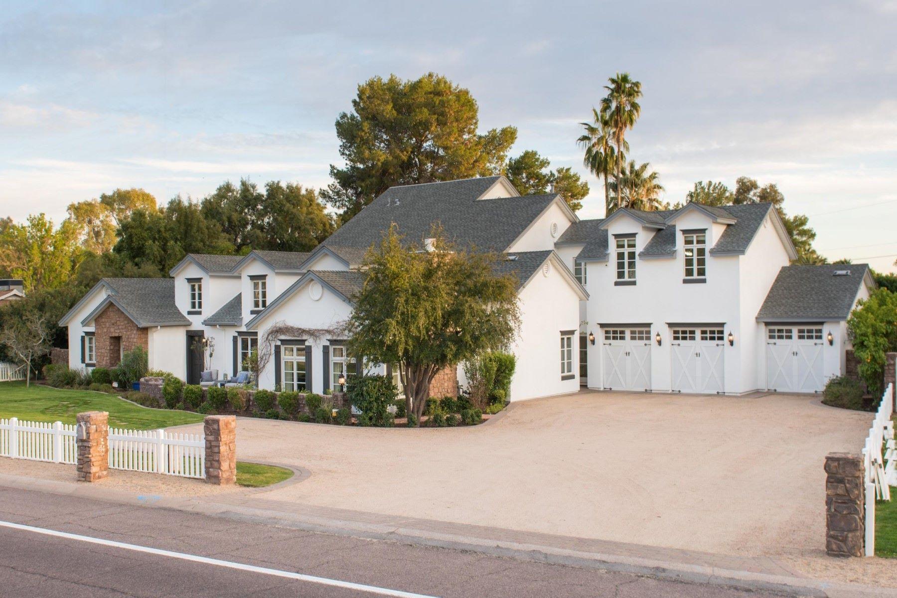 단독 가정 주택 용 매매 에 Elegant home in the heart of Arcadia 5447 E Lafayette Blvd Phoenix, 아리조나, 85018 미국