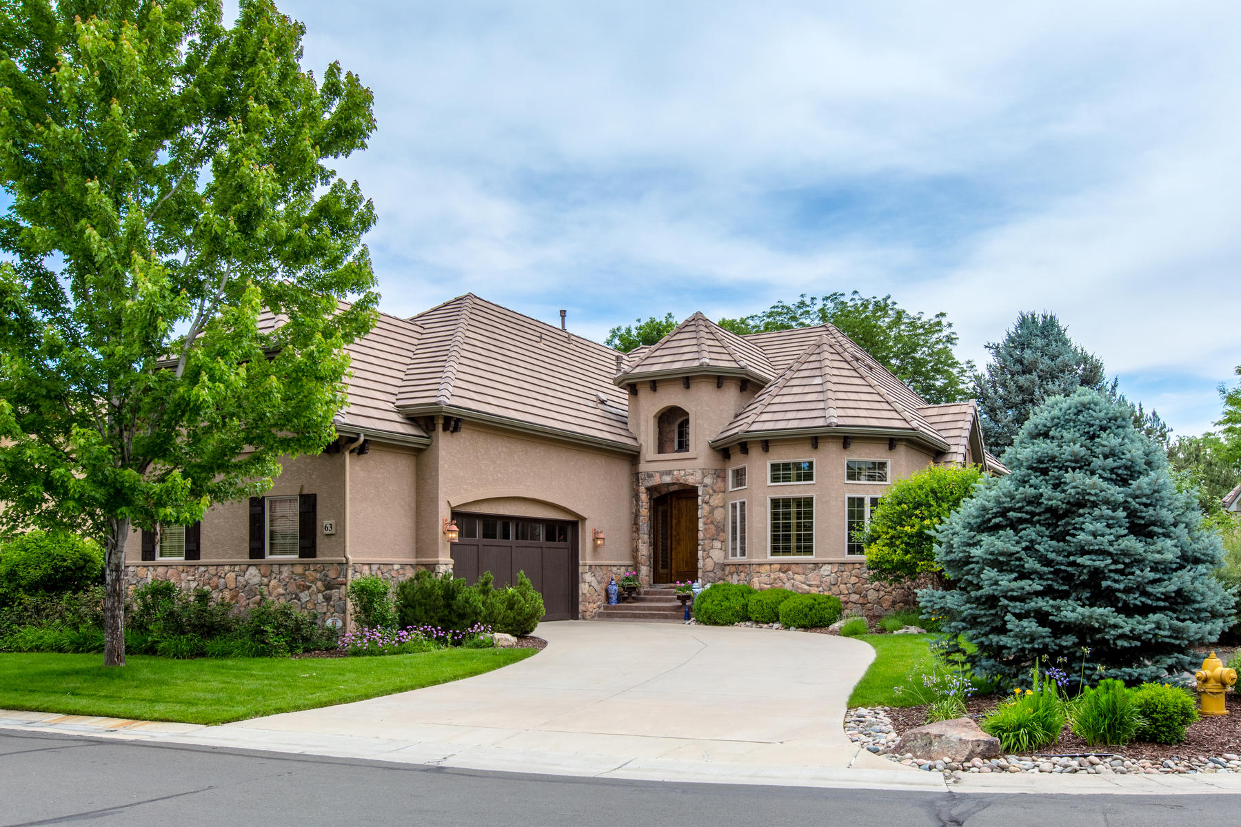 Single Family Homes for Sale at Upgraded, updated original owner luxury lifestyle home. 63 Brookhaven Drive, Littleton, Colorado 80123 United States