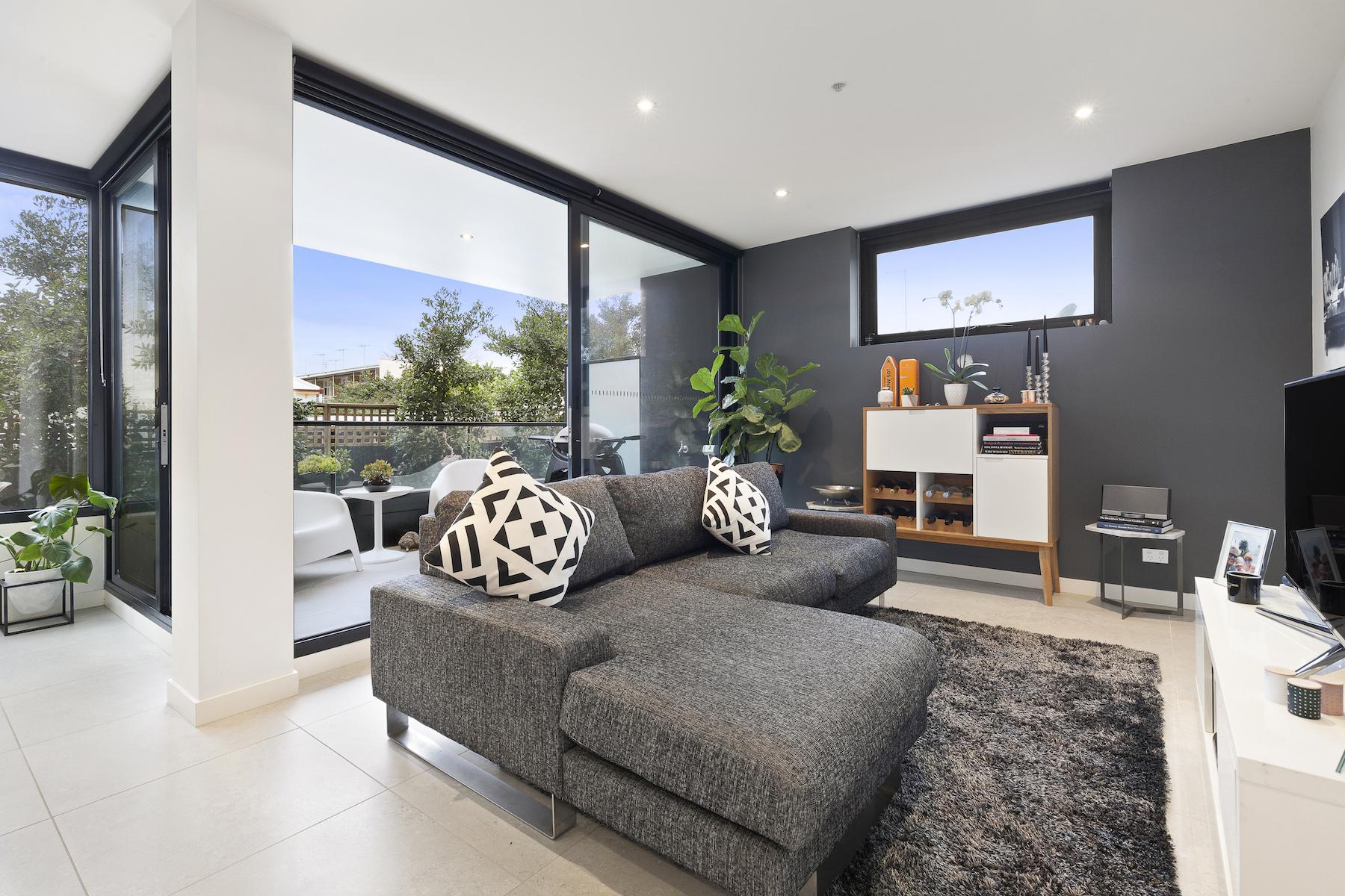 Appartamento per Vendita alle ore 107/652 High Street, Prahran Melbourne, Victoria, 3181 Australia