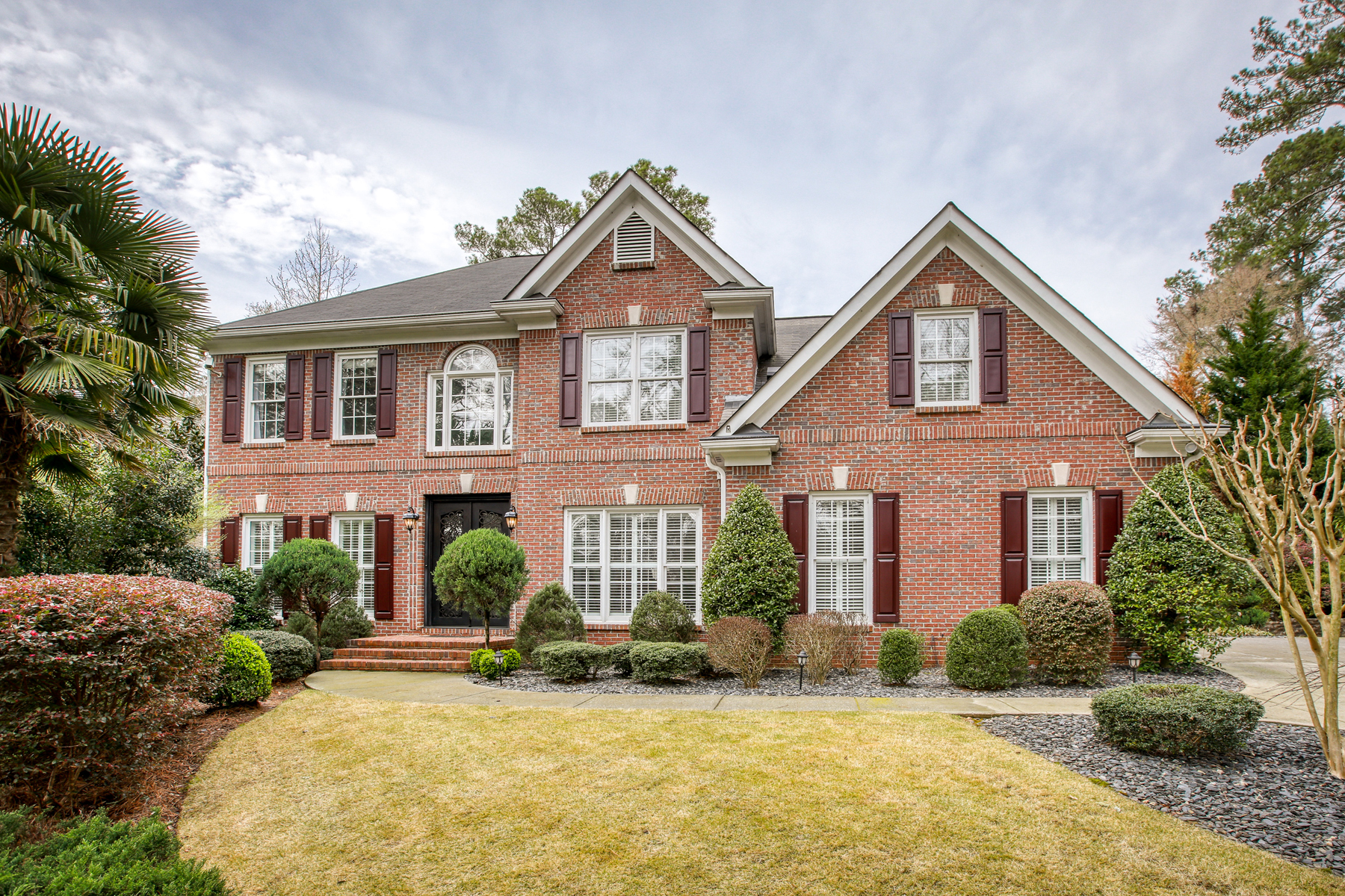 Single Family Homes のために 売買 アット Gardens And Privacy In Historic Roswell 9870 Coleman Road, Roswell, ジョージア 30075 アメリカ