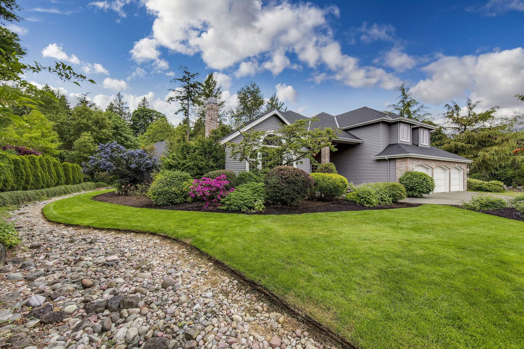 Single Family Home for Sale at Spacious and In Town! 1174 High School Road NE Bainbridge Island, Washington 98110 United States