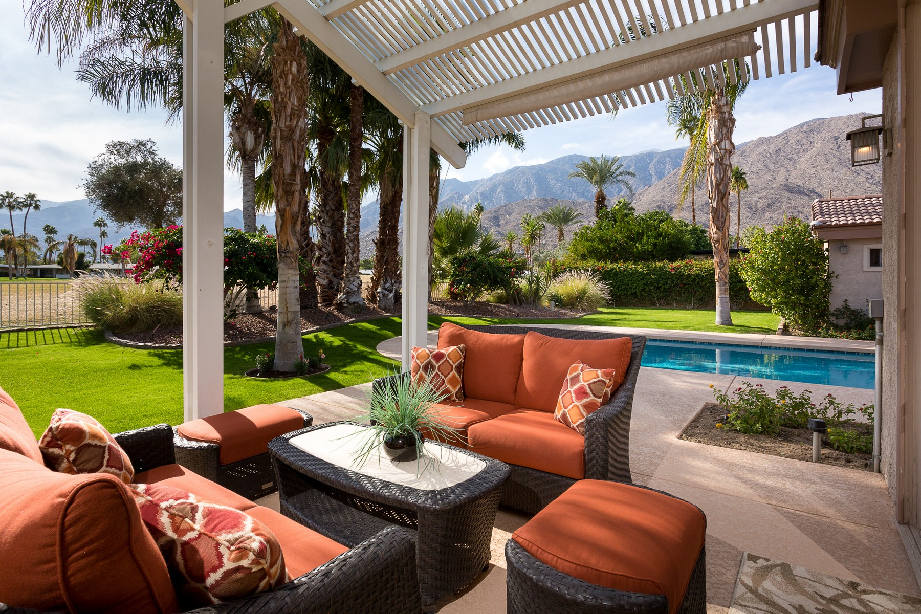 Single Family Home for Sale at 605 East Sierra Way Palm Springs, California, 92264 United States