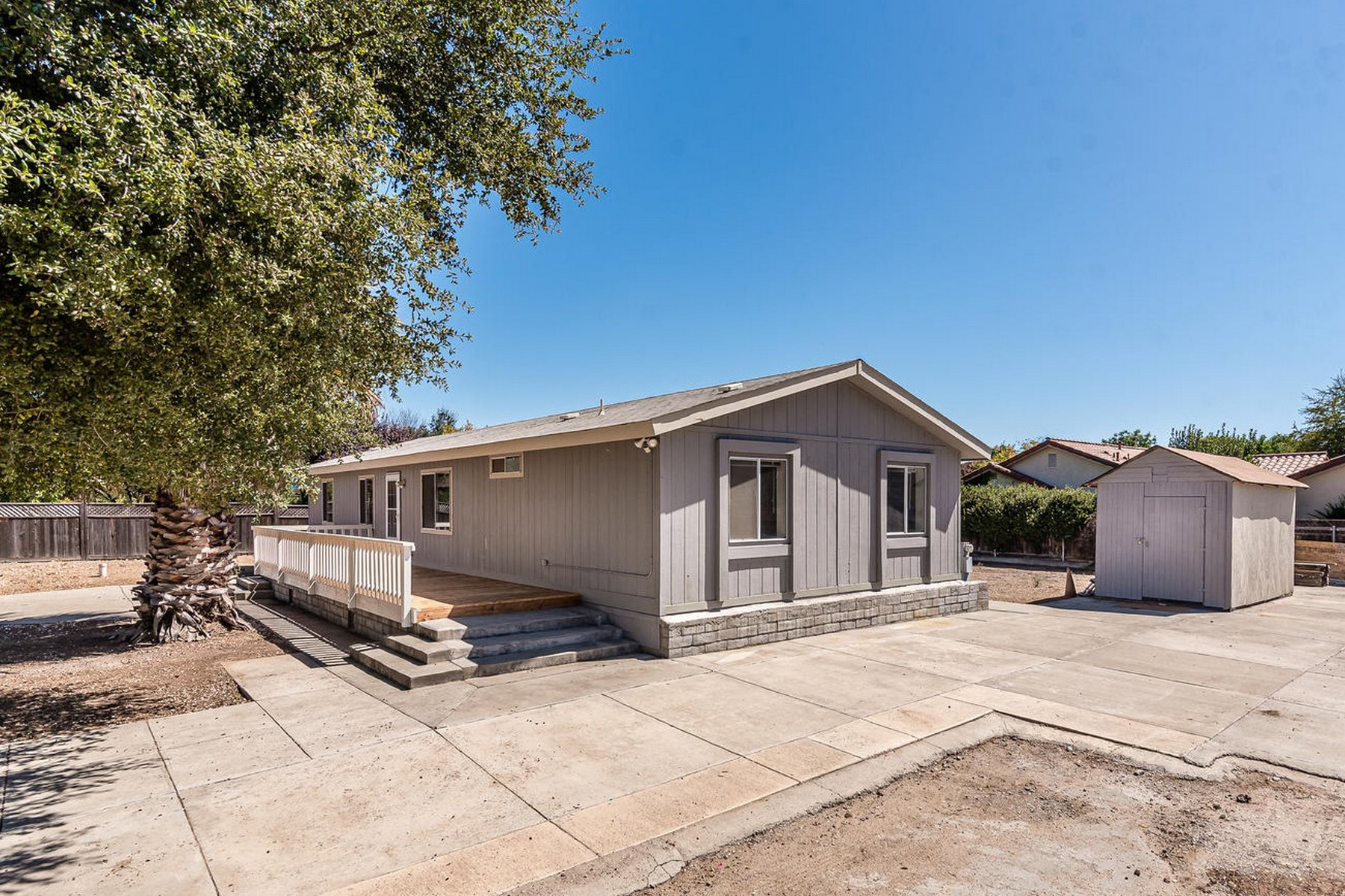Single Family Homes for Sale at Move-in Ready Home on a Half Acre 5705 Carrizo Road Atascadero, California 93422 United States