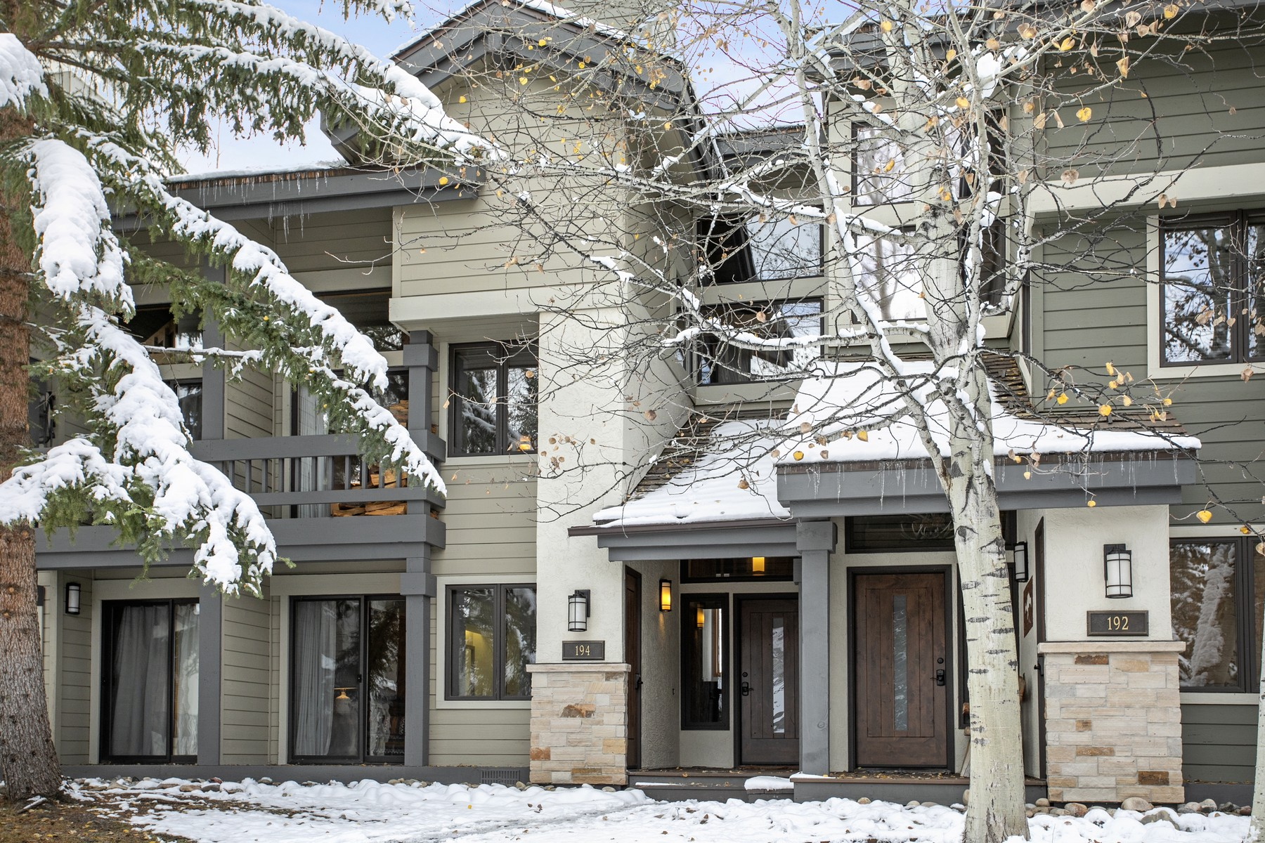 Townhouse for Active at Ridgepoint #194 185 Willis Place #194 Beaver Creek, Colorado 81620 United States