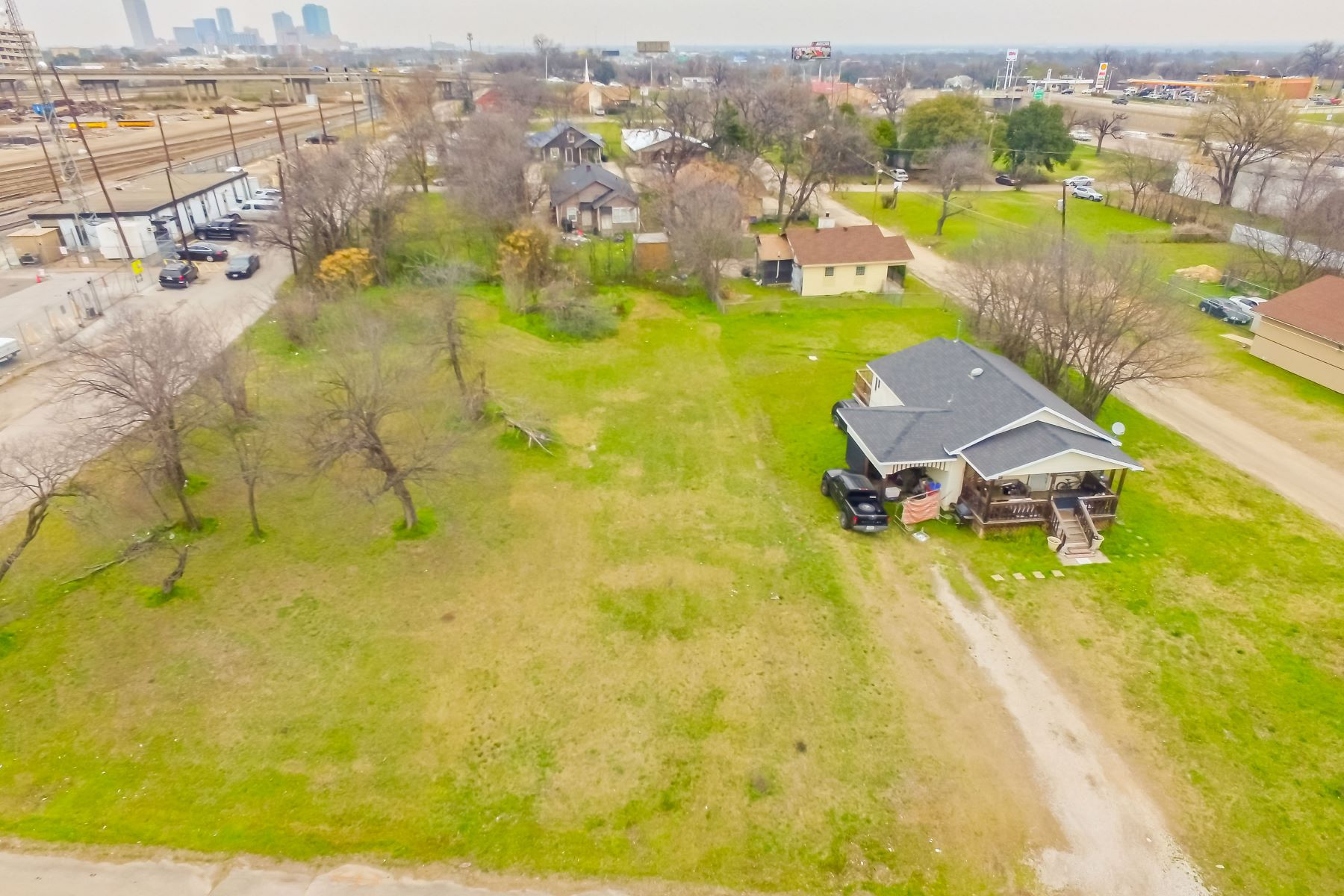 Additional photo for property listing at  Fort Worth, Texas 76104 Estados Unidos