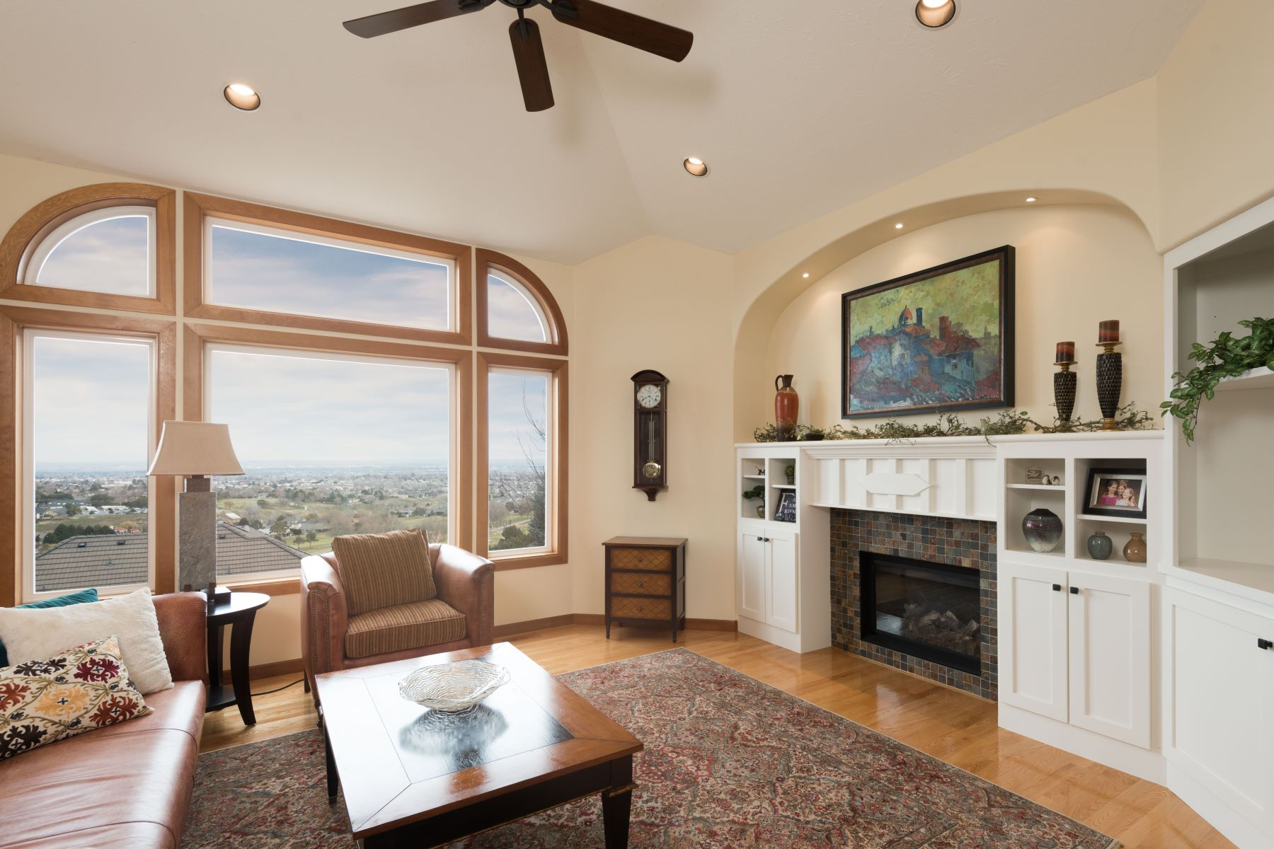 Частный односемейный дом для того Продажа на Best view in town! 3900 W. 43rd Ave Kennewick, Вашингтон 99337 Соединенные Штаты
