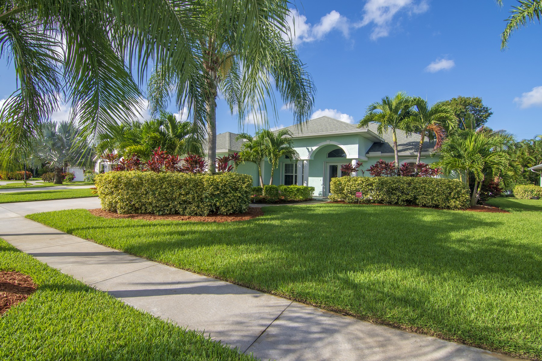 Single Family Homes for Sale at Light and Bright Beautiful Pool Home 645 23rd Avenue Vero Beach, Florida 32962 United States