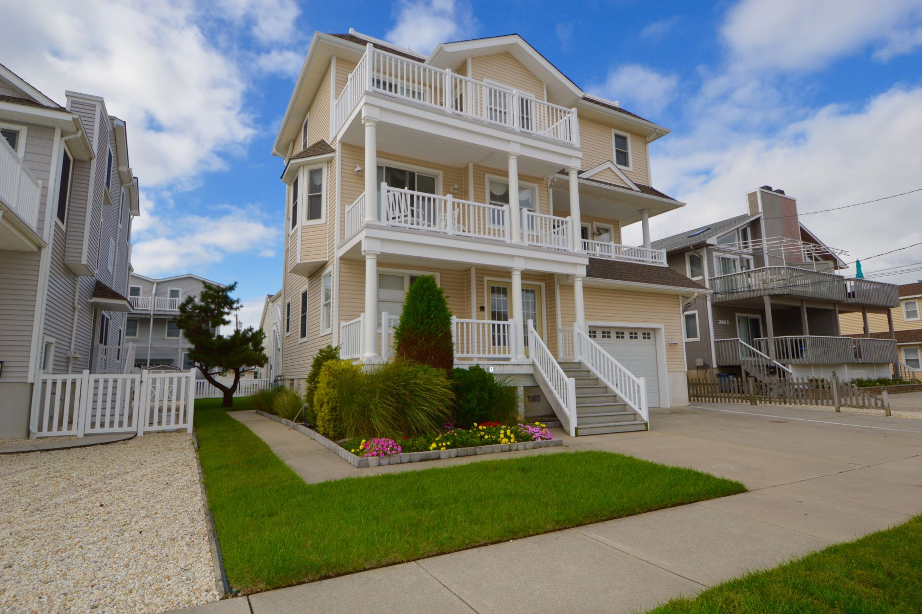 Townhouse for Rent at Ideal Location Townhome 236 27th Street Front Unit, Avalon, New Jersey 08202 United States