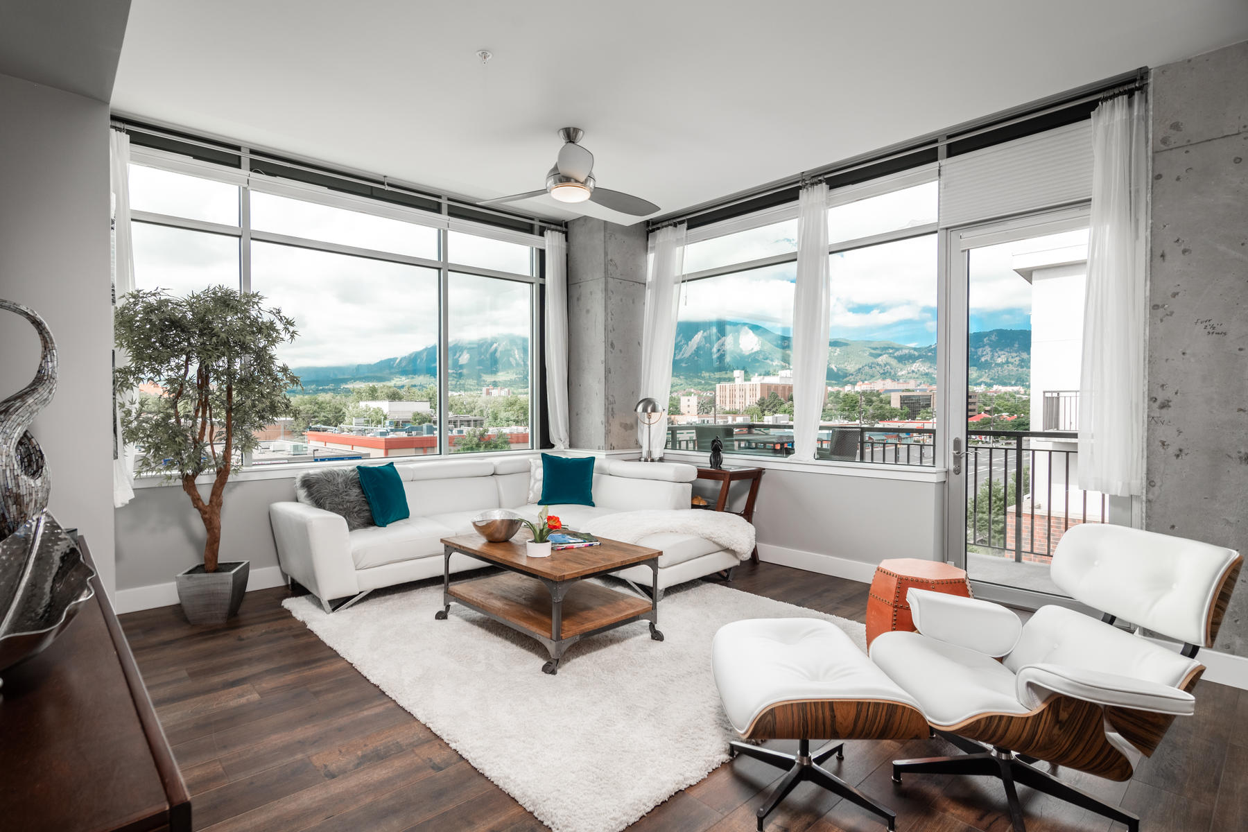 Condominiums for Sale at Luxurious Penthouse Condo 3601 Arapahoe Ave 432, Boulder, Colorado 80303 United States