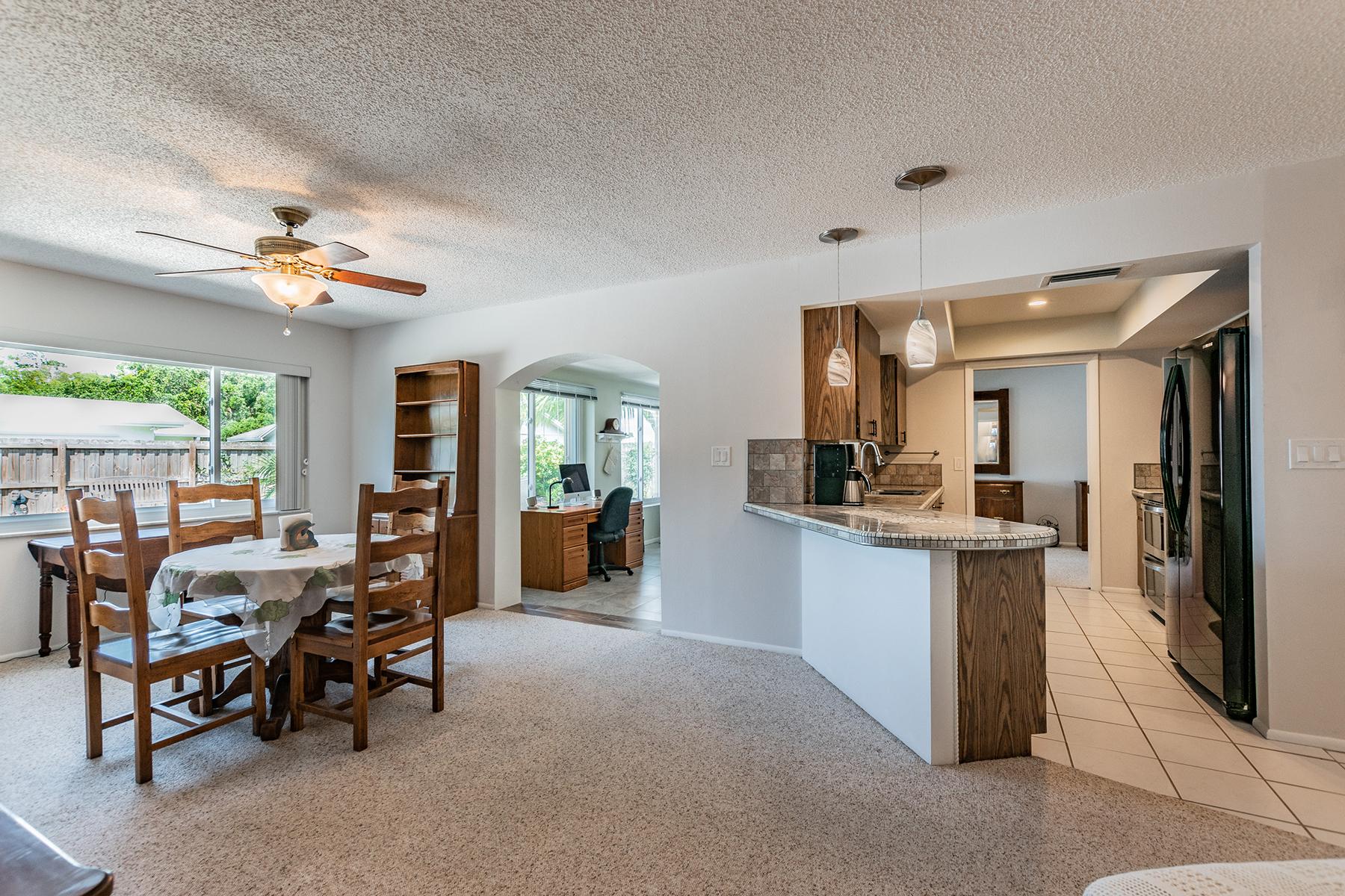 single family homes for Active at SEMINOLE 11167 90th Ter Seminole, Florida 33772 United States