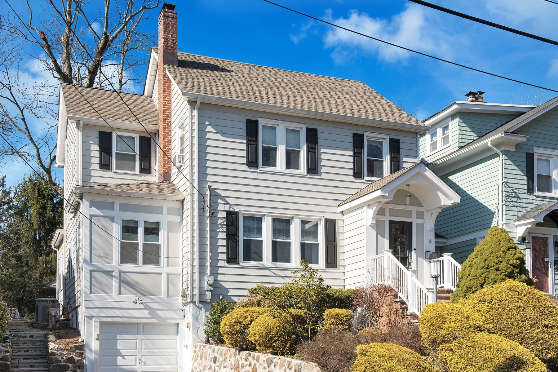 Single Family Homes for Sale at Completely Renovated Colonial 4 Lavina Court New Providence, New Jersey 07901 United States