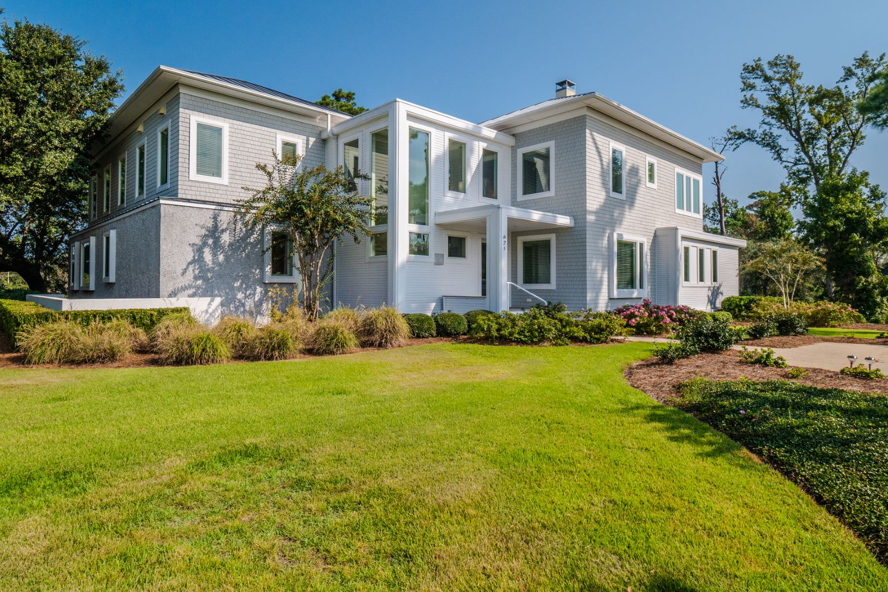 Single Family Homes for Sale at Contemporary Home on High Bluff in Landfall 621 Dundee Pl Wilmington, North Carolina 28405 United States