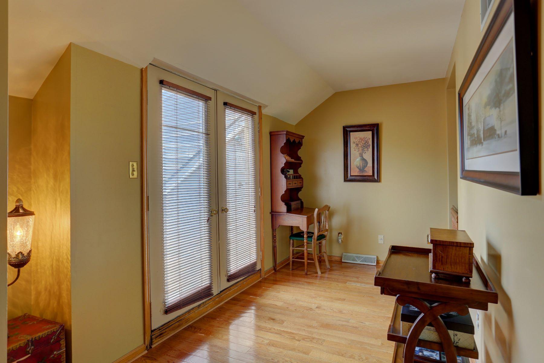 Additional photo for property listing at 300 Koser Road  Lititz, Pennsylvania 17543 Estados Unidos